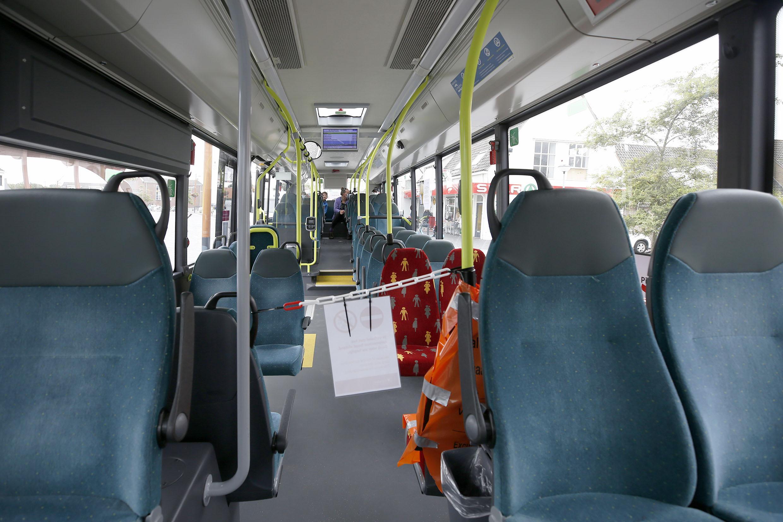 Dure kaartjes, lege bussen: toeristen laten zomerlijn tussen Petten en Den Helder links liggen