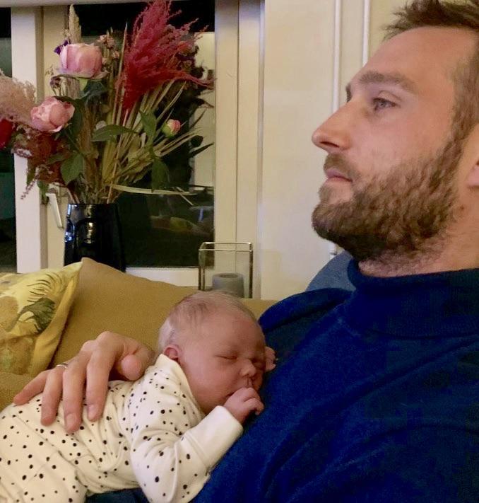 Vader Bart (36) over geboorteverlof: 'Goed om zo een band op te bouwen'