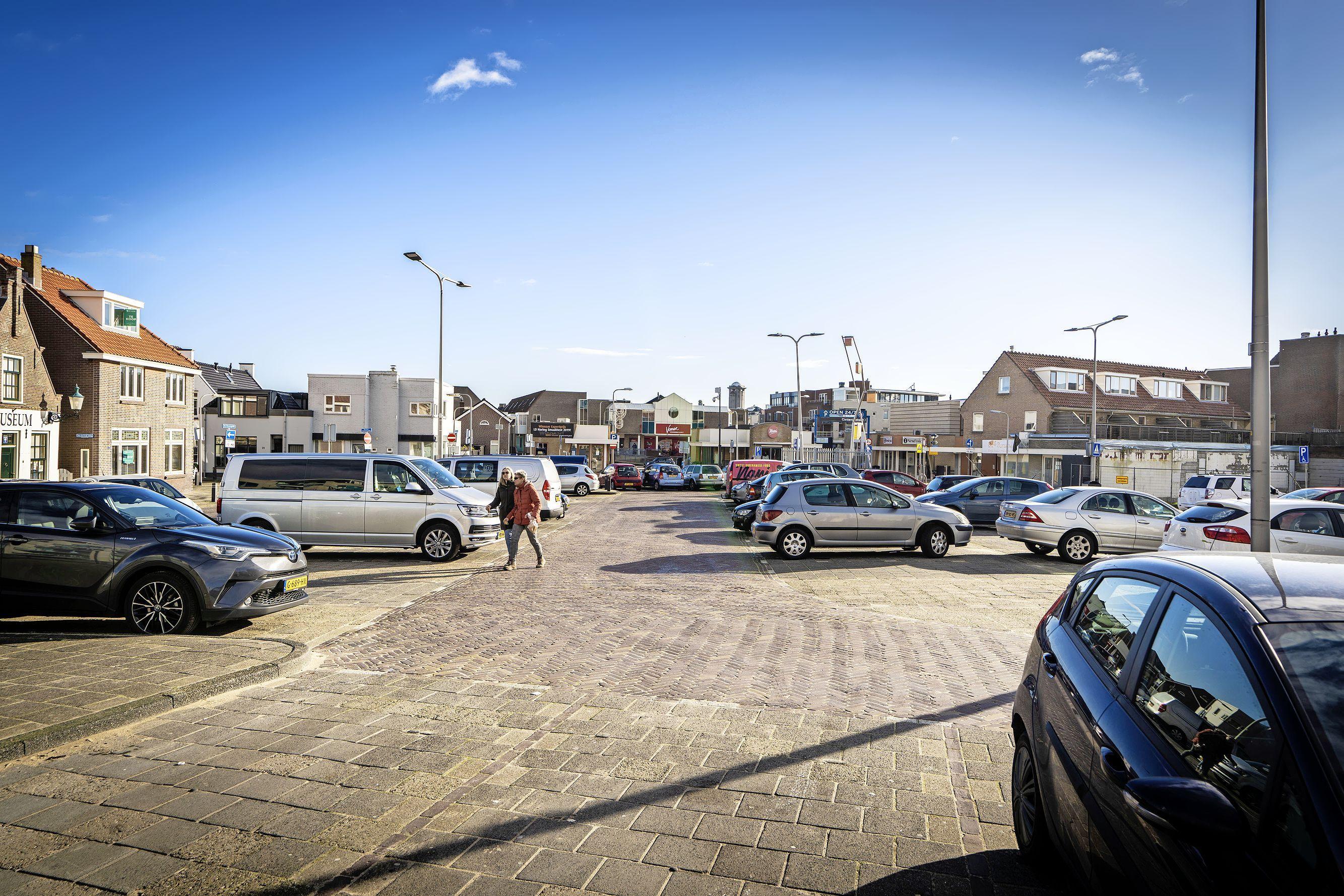 Twijfels over bouwplannen Noordwijks Jan Kroonsplein:'Straks hebben we het Gat van het Jan Kroonsplein in plaats van het Gat van Palace'