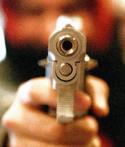Man die in binnenstad van Enkhuizen een wapen trok, is vrijgelaten. Maar hij blijft verdachte