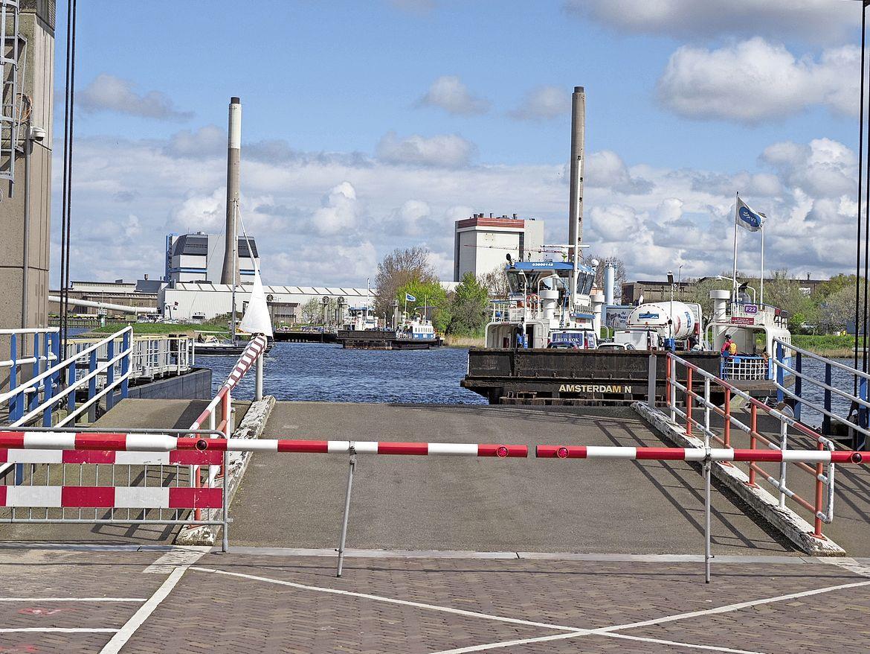Tweede pont in Velsen als 'vliegende kiep' wegens aanhoudende verkeersdrukte door dichte Velsertunnel