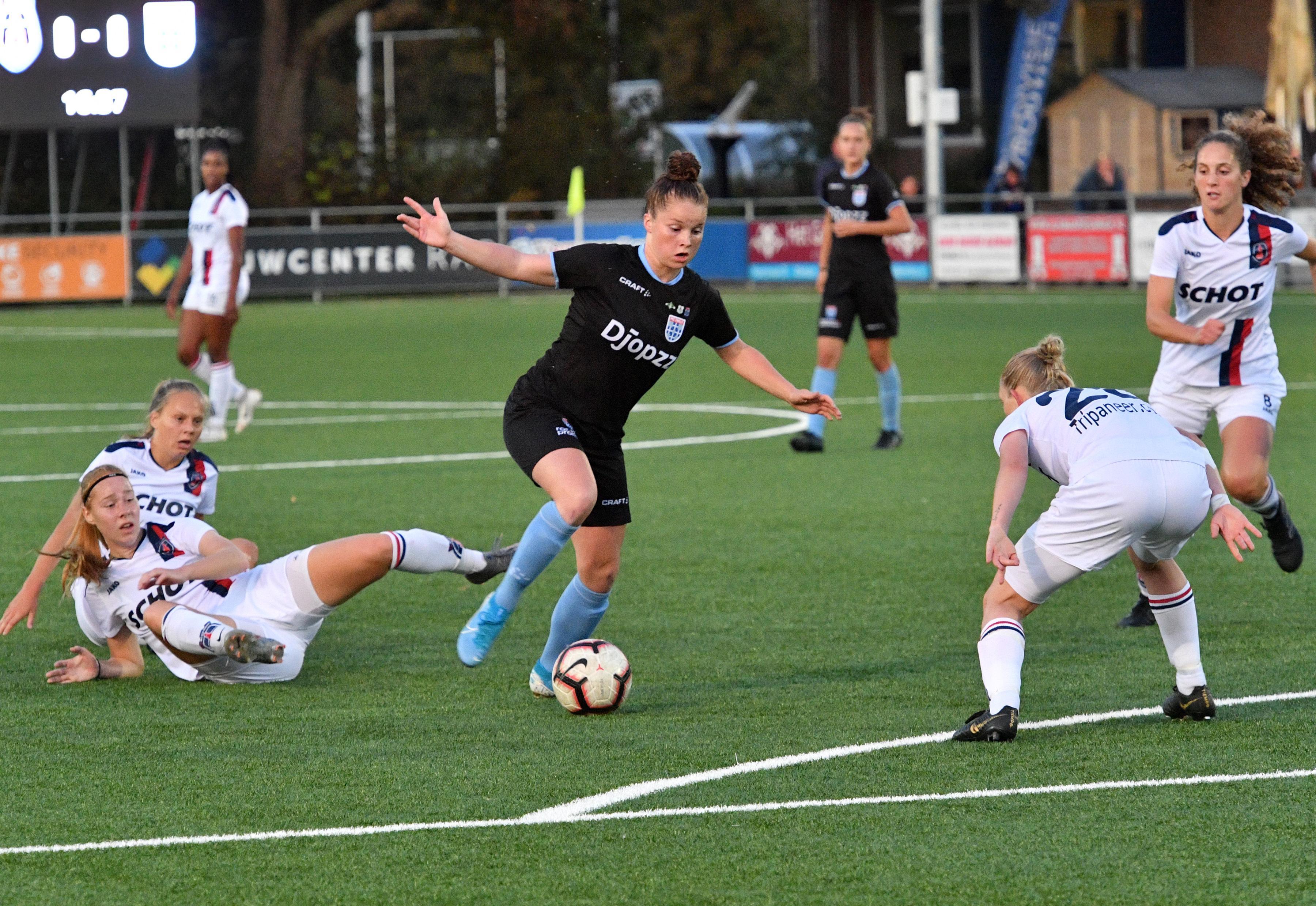 Beverwijkse jeugdinternalional Nikita Tromp (18) ziet Ajax als ideale tussenstap: 'Ik wil over drie jaar graag in het buitenland spelen'
