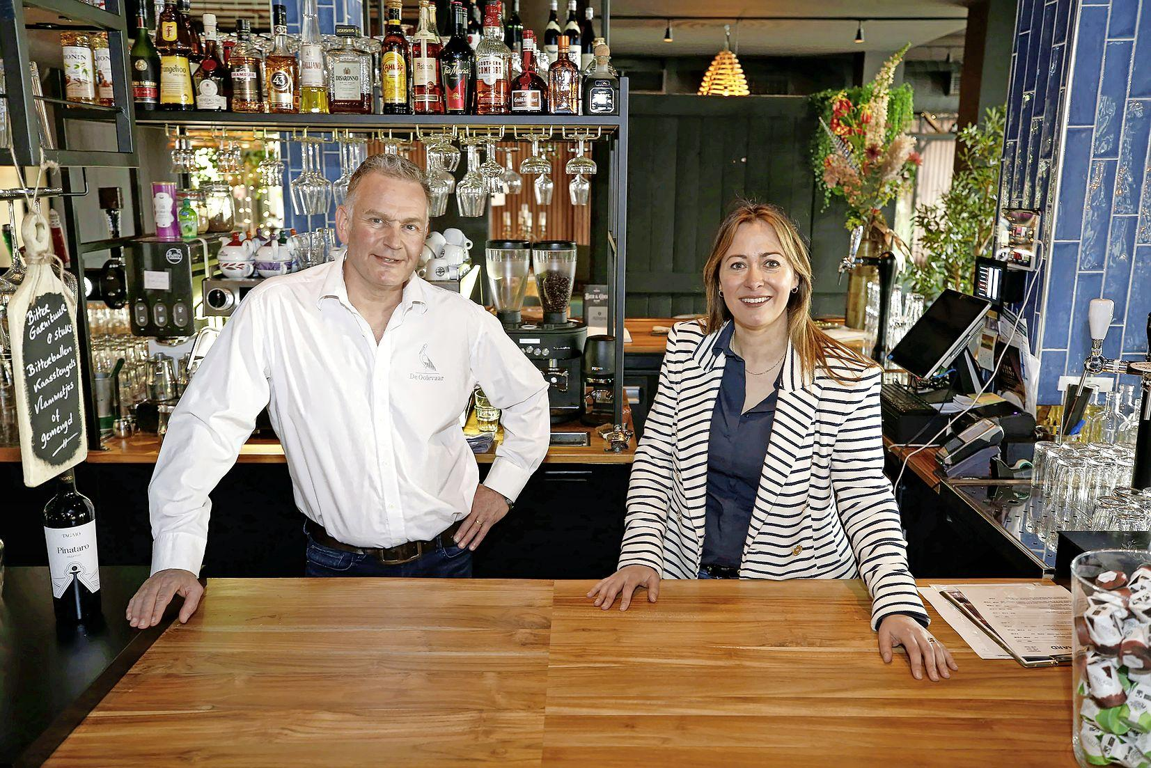 De Ooievaar verdwijnt uit Warmenhuizen. Eigenaren Silvia en Maarten Pronk gaan het restaurant van Hotel Marktstad in Schagen runnen. 'Met de gemoedelijkheid van Warmenhuizen'