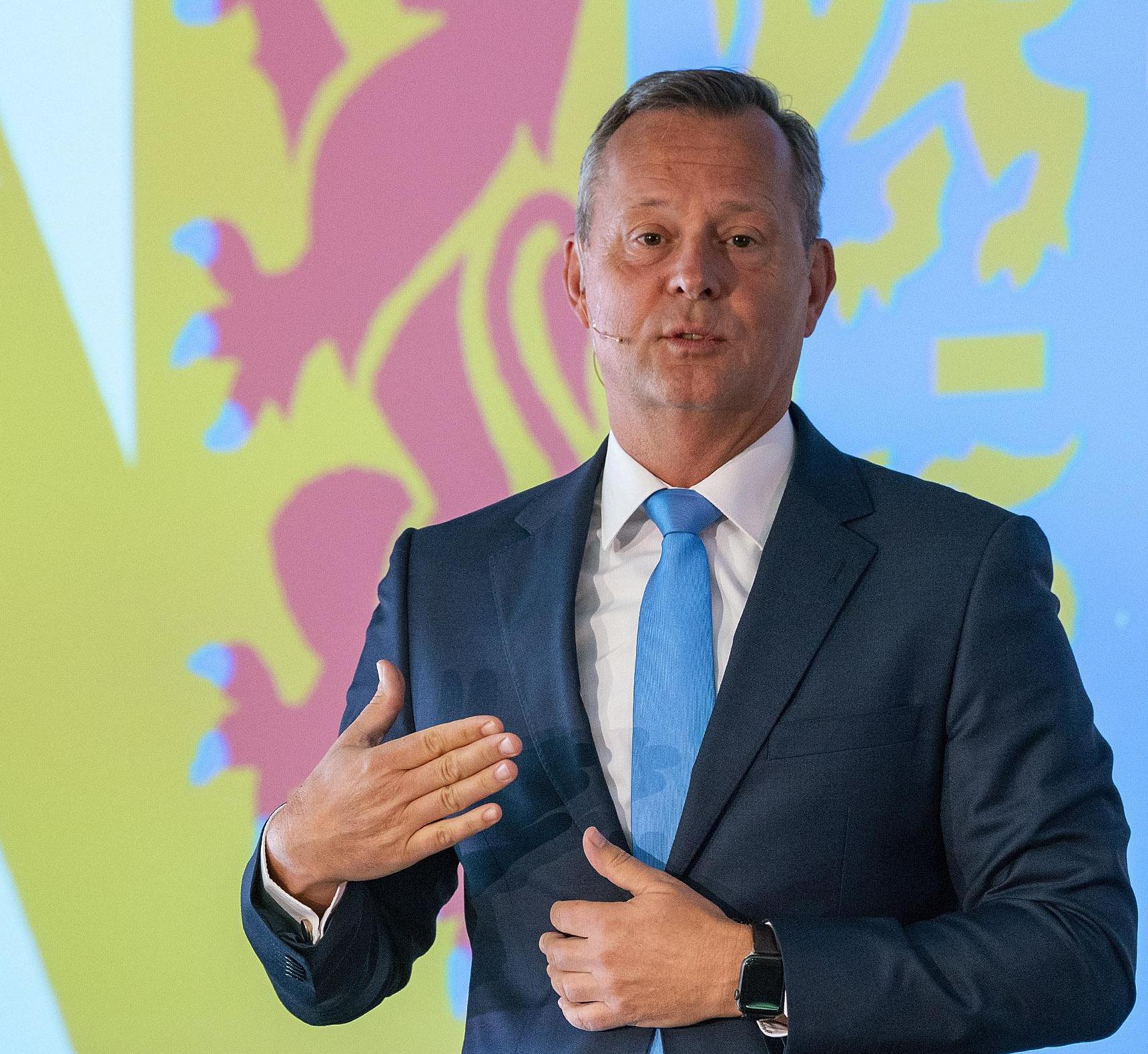 'Vrees voor verdwijnen identiteit bij fusie is niet terecht', zegt commissaris van de Koning Arthur van Dijk
