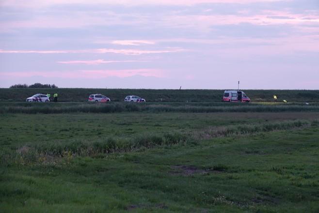 Moeder van overleden meisje uit Marken roept bestuurder auto op zich te melden: 'Ze was heel lief en is nu in de berm achtergelaten als een beest. Dit gun je haar niet'