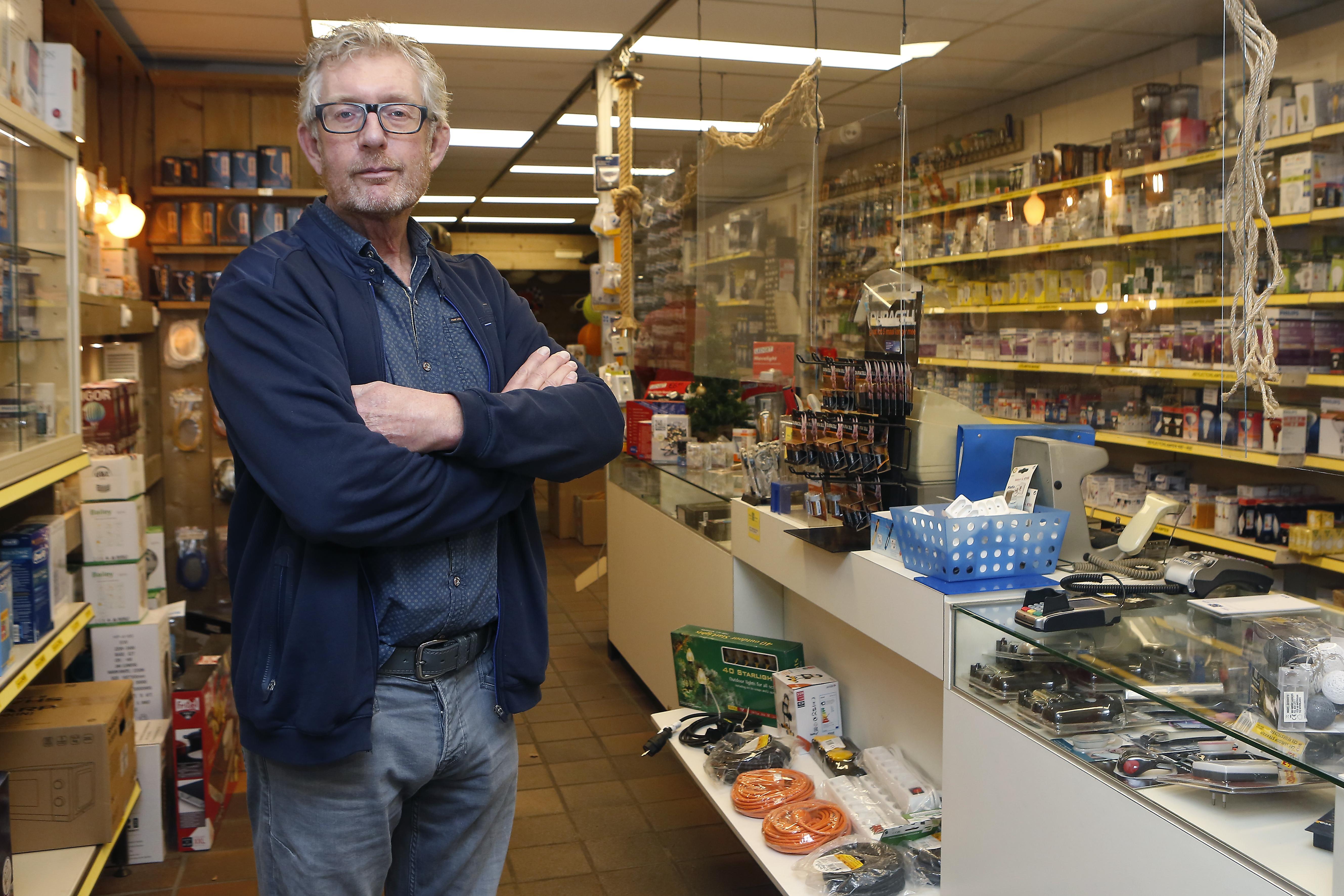 Tweede overval bij de Albert Heijn op de Gijsbrecht, maar voor winkeliers blijft het een rustige straat; 'Ik ben één keer bestolen. Door de politie.'