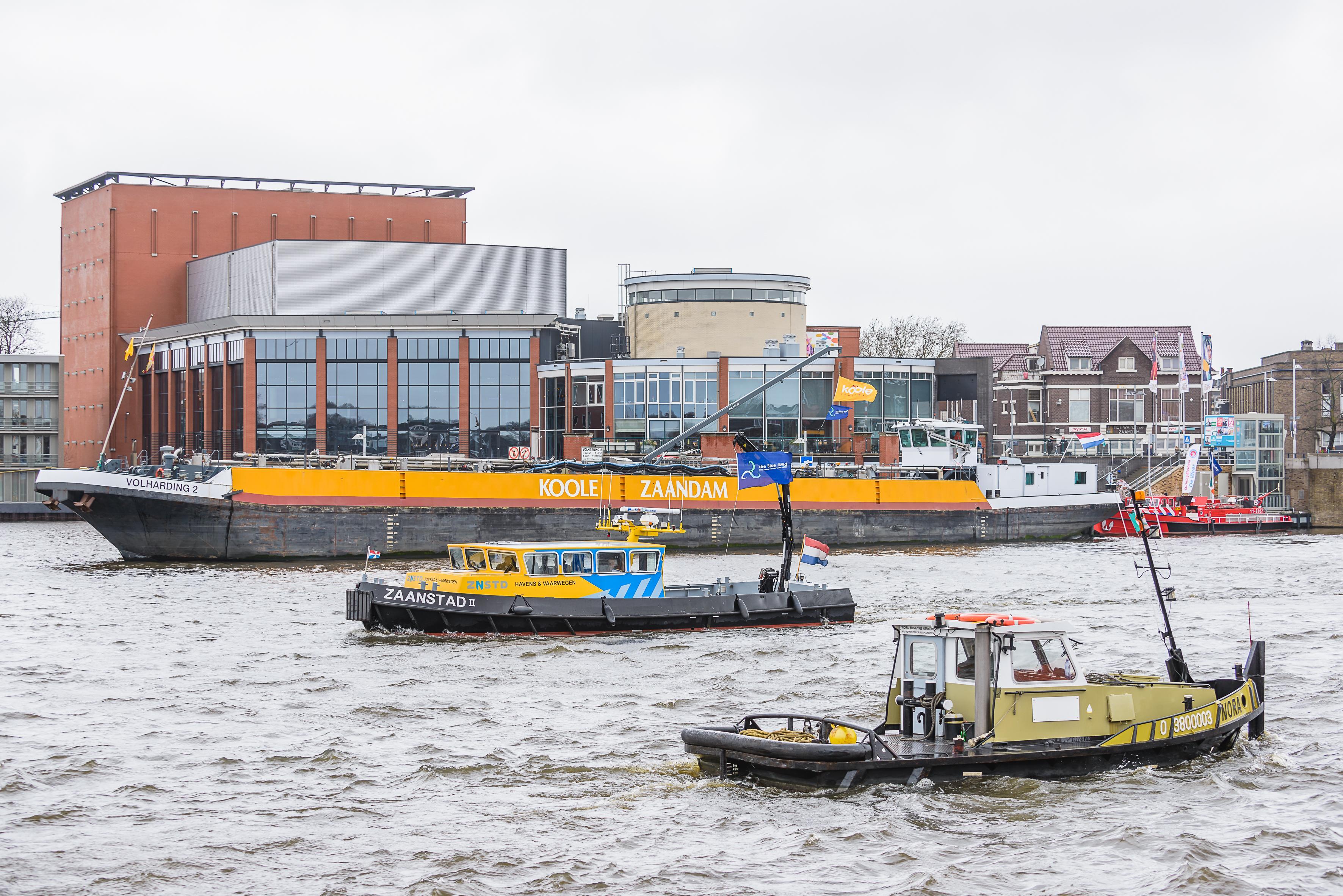 Proeven met verwerking gassen van binnenvaartschepen in Amsterdam in de strijd tegen illegaal ontgassen
