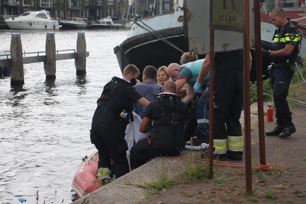 Man raakt gewond bij ongeval met bootje op het Spaarne in Haarlem