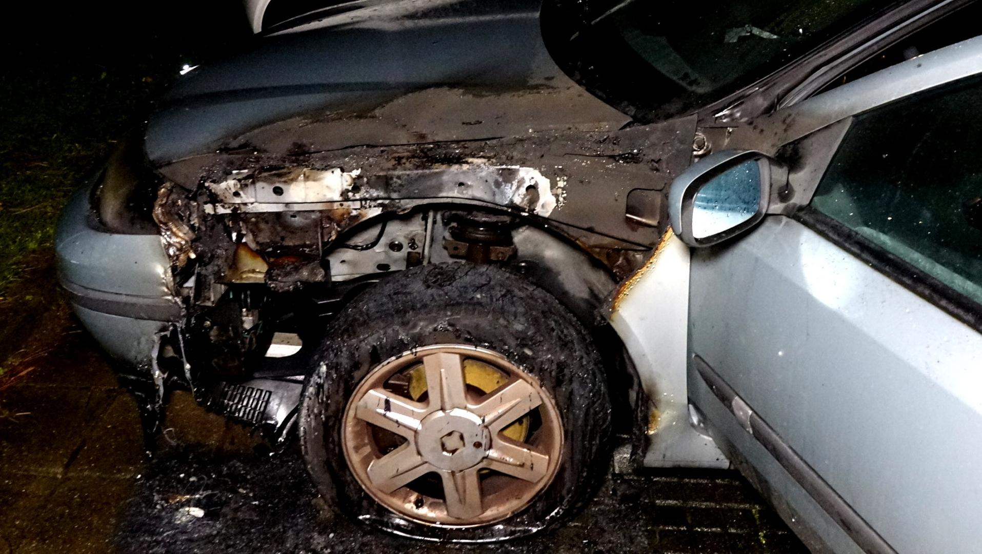 Bewoner blust autobrand in Den Helder