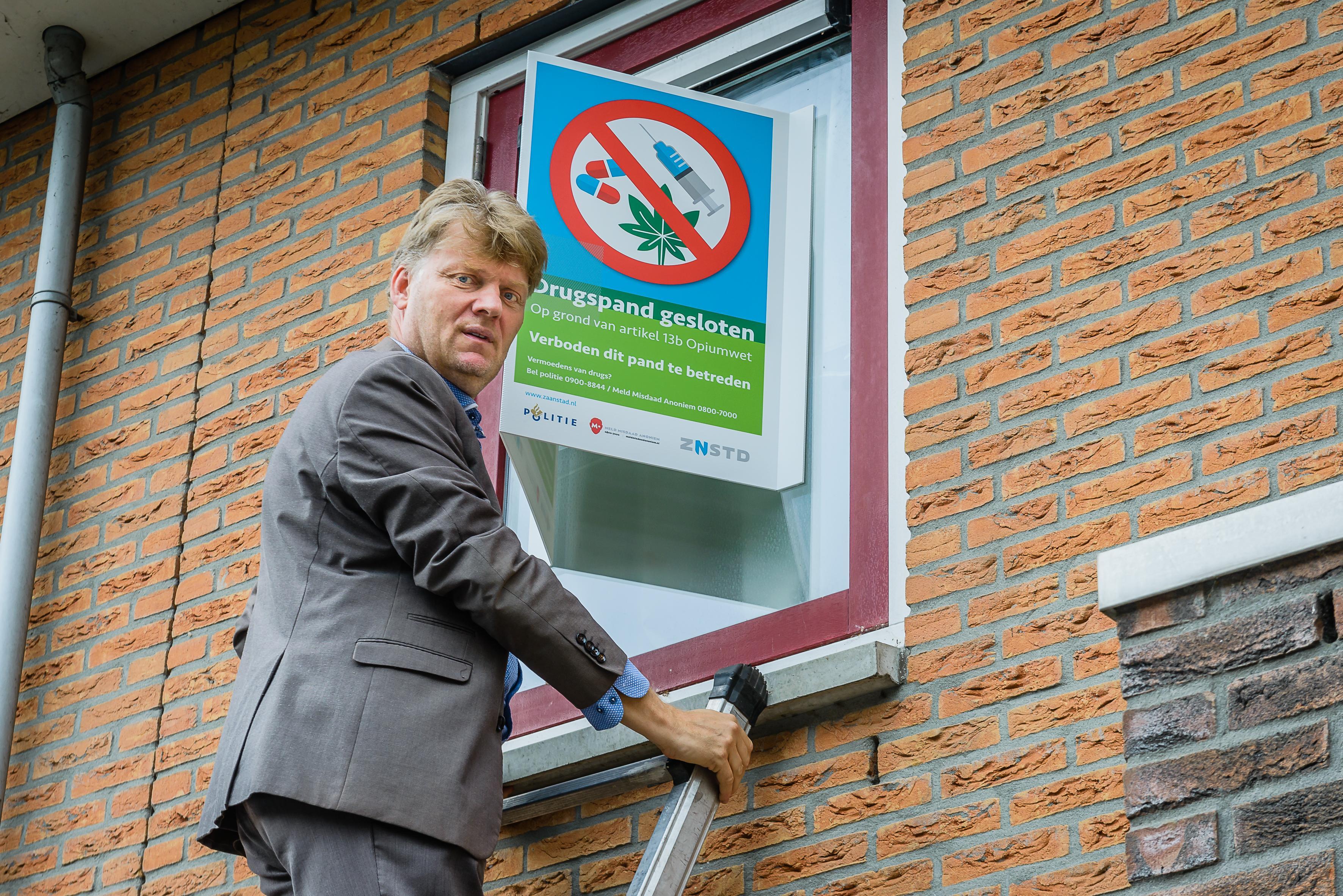 Wormerveerse ondernemer Ron ten Broek 'enorm opgelucht'. Burgemeester zet hem toch niet zijn huis uit. 'Laat dit een goede les zijn voor de gemeente'
