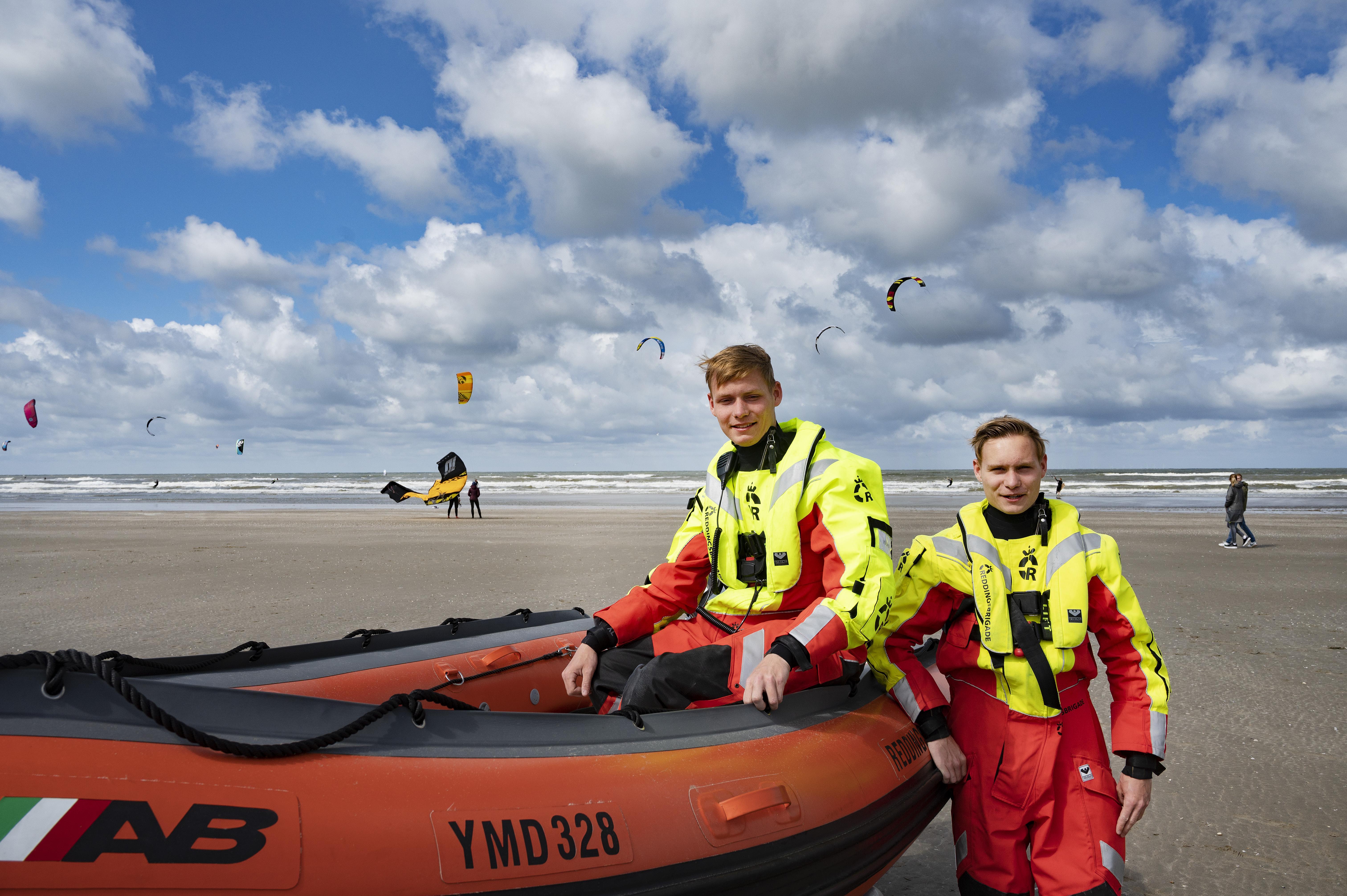 Topdrukte bij Reddingsbrigade, veel kitesurfers in problemen