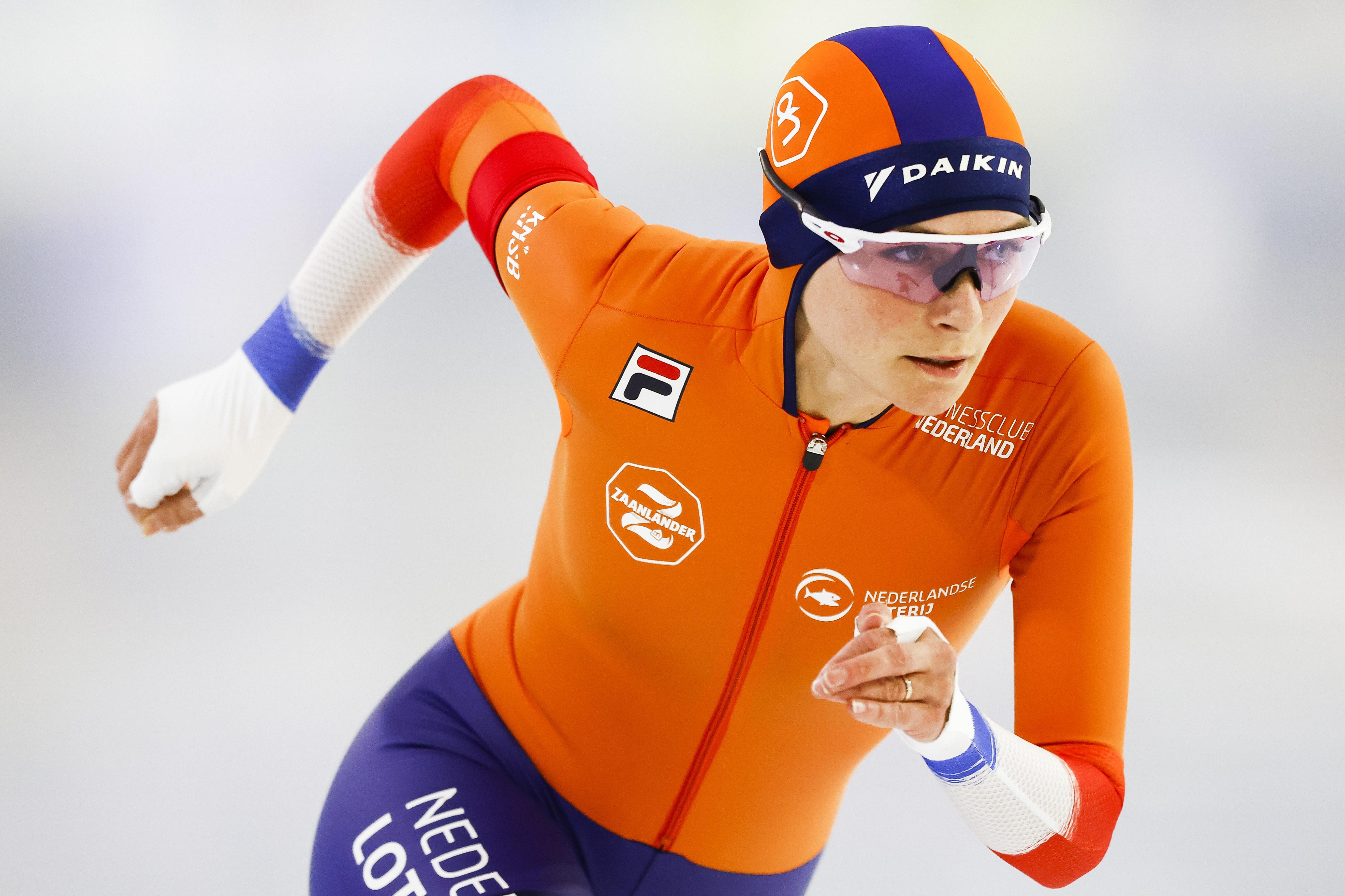 Andijkse schaatsster Irene Schouten in de vorm van haar leven: eerste wereldbekerzege op 3000 meter, omlijst met baanrecord. 'Het gaat dit seizoen wekelijks beter'