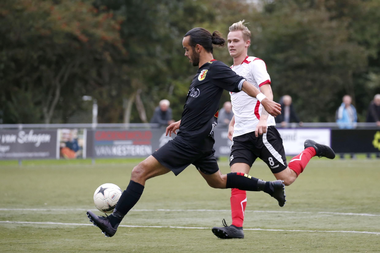 Twee penalty's voor Dirkshorn kunnen nederlaag tegen Schagen United niet voorkomen. Winnende trainer Gootjes: 'De uitslag had veel hoger moeten uitvallen'