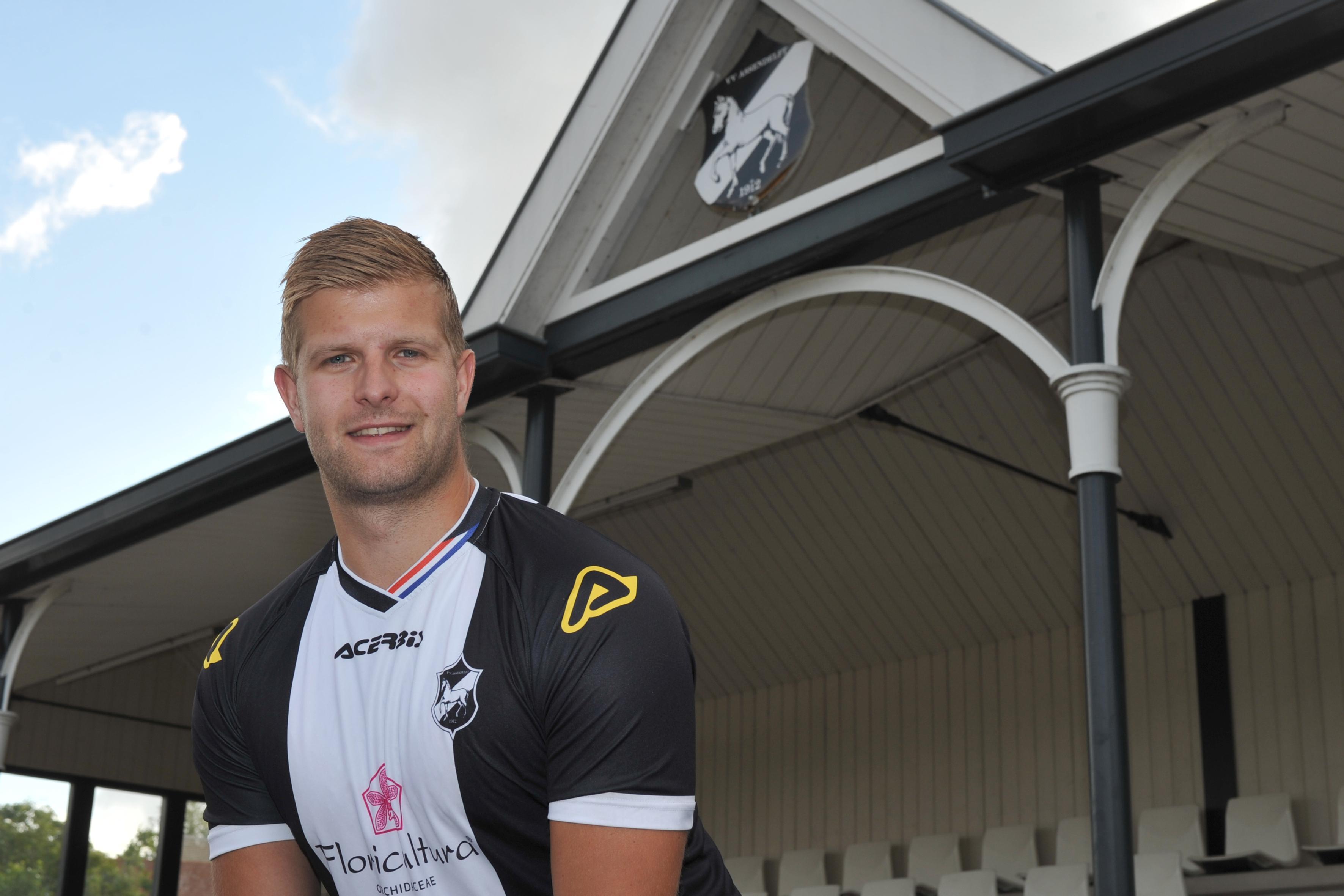 Brabander Niek Josten verhuisde voor de liefde naar Assendelft en moest wel kiezen voor VVA, de club van zijn schoonfamilie