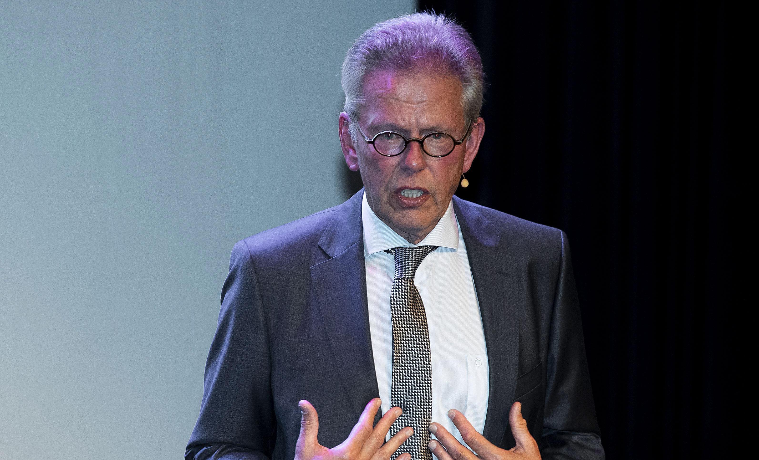 Burgemeester Don Bijl van Purmerend wil nog geen gebiedsverboden afkondigen en bekeuringen uitdelen