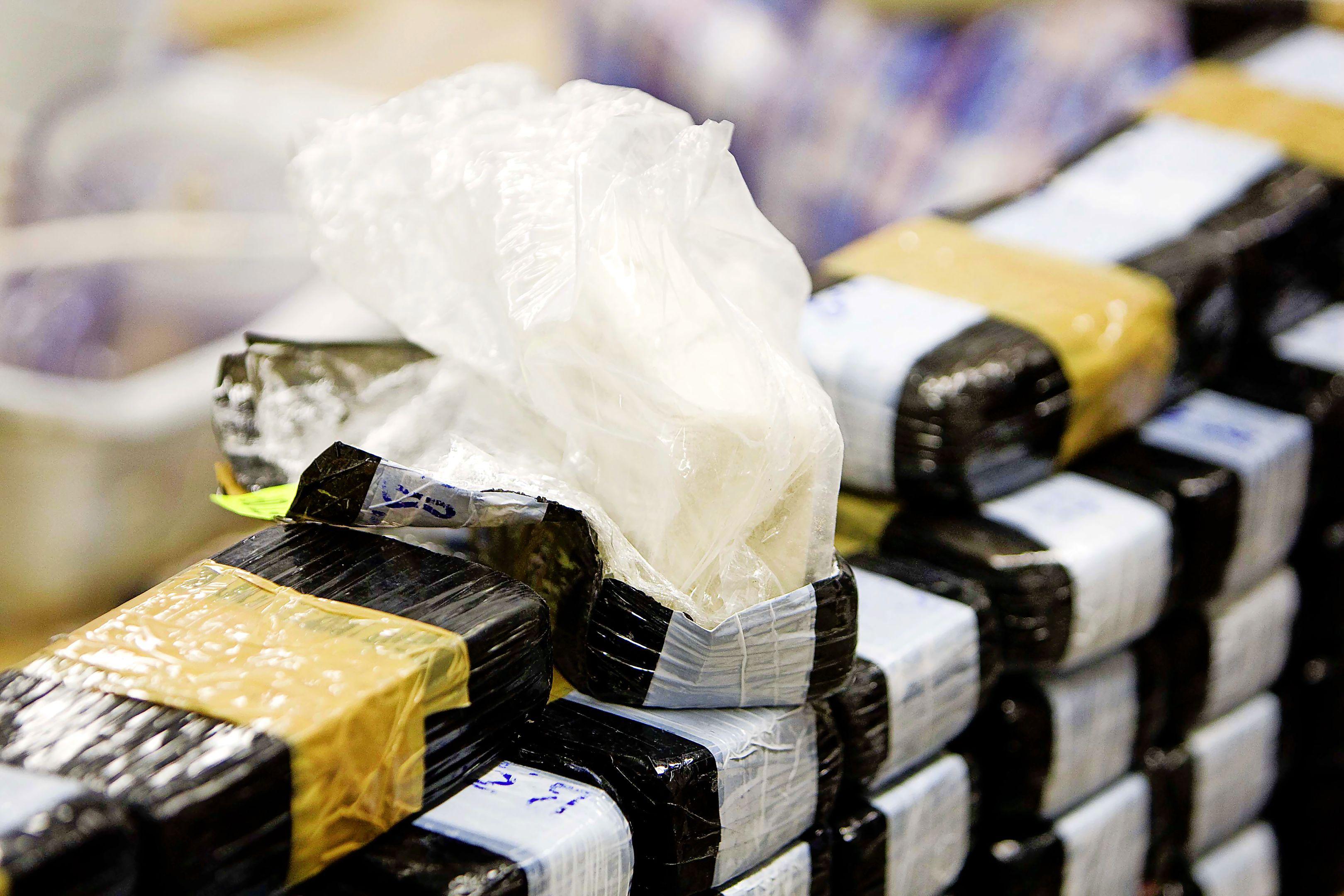 Drugscriminaliteit Gooi en Vechtstreek krijgt klap: politie houdt twee verdachten aan. Toch zijn er zorgen. 'De aanwas van jongeren in drugshandel is problematisch'