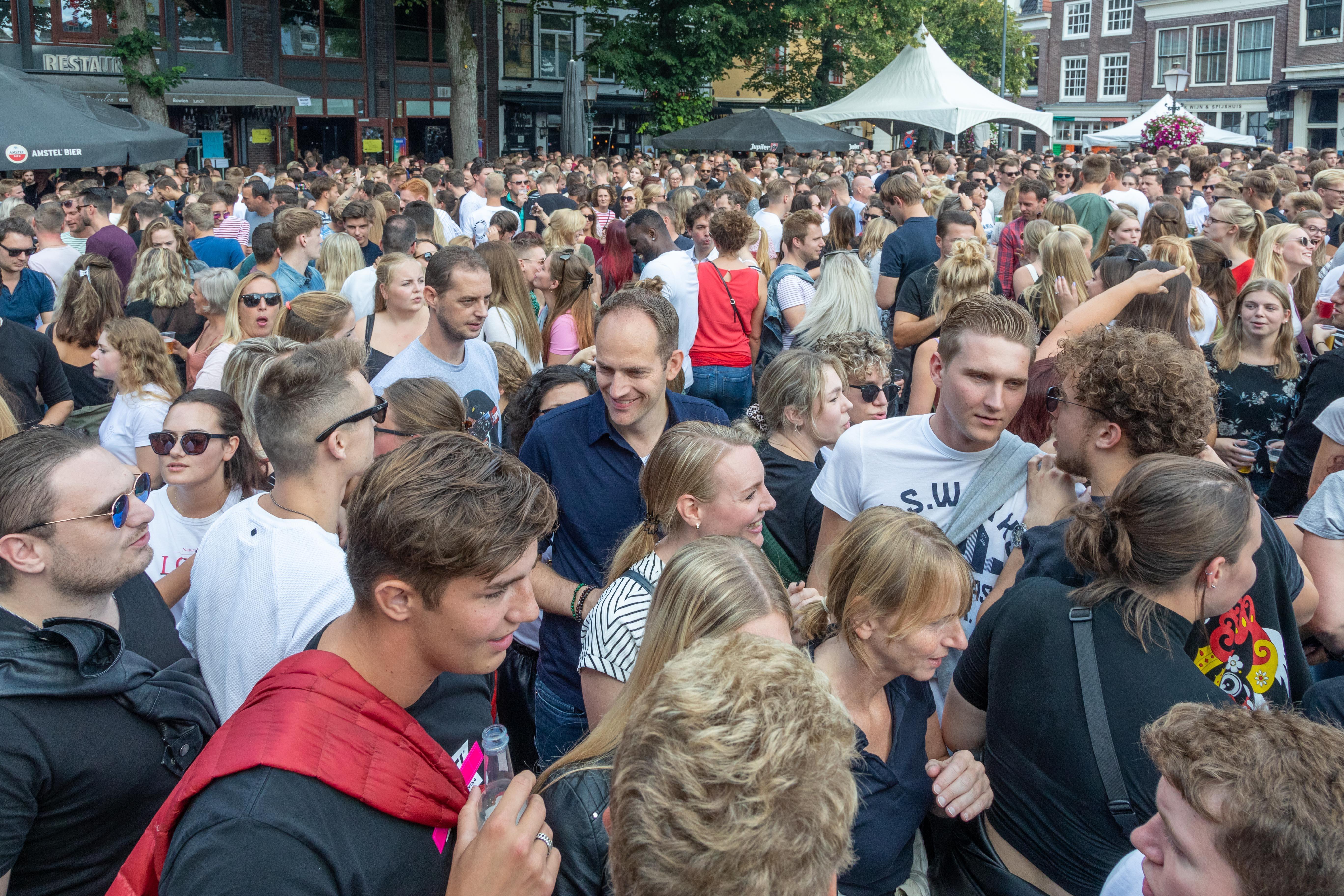 Terrassenmaandag, wie durft het aan in Hoorn?