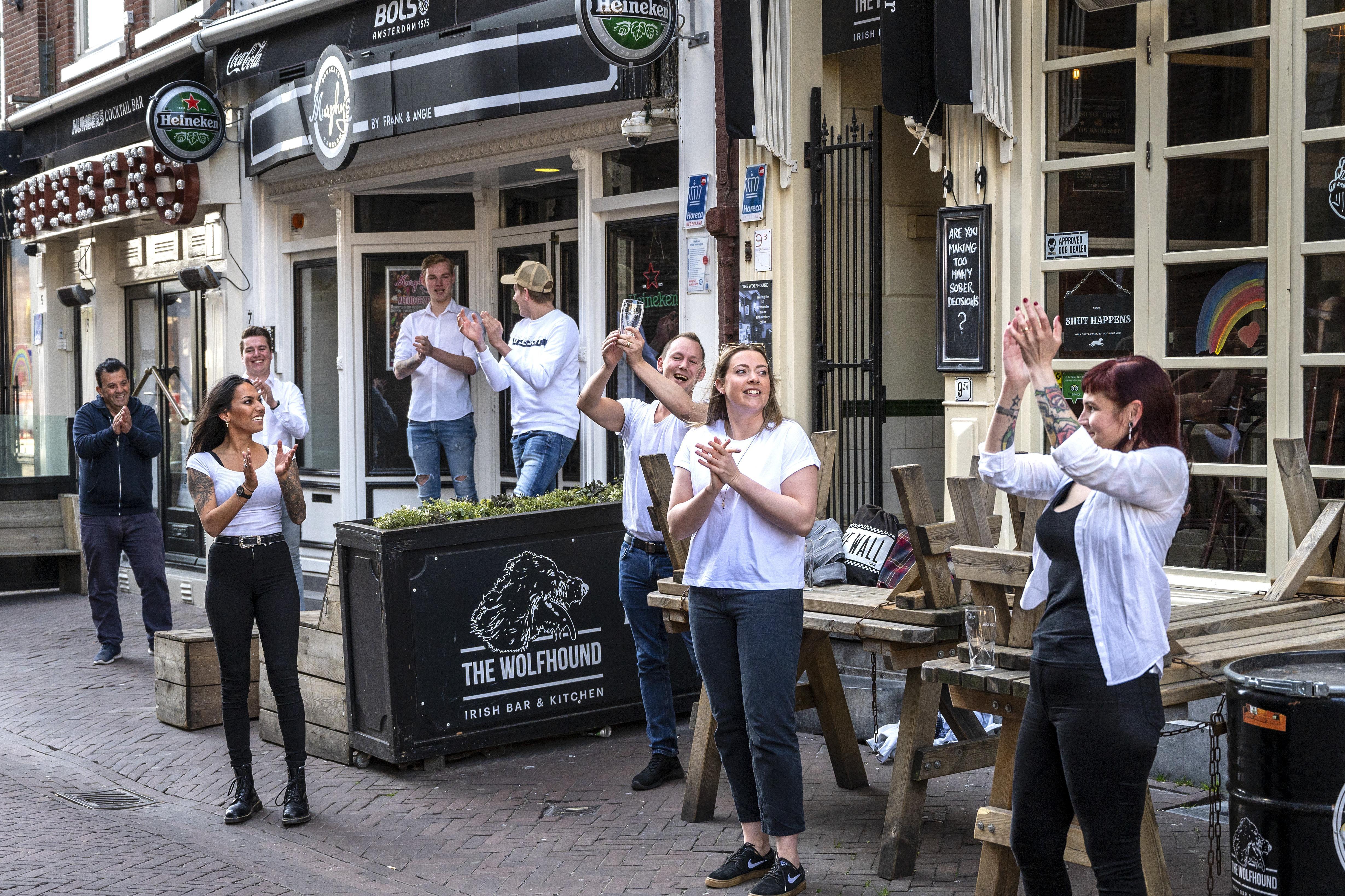 Haarlemse regio reageert met gemengde gevoelens op persconferentie van Rutte: 'Harde klappen in de horeca'