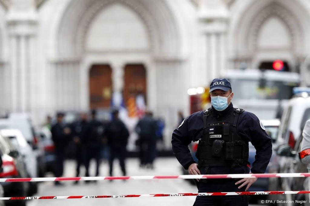 Reisadvies Frankrijk verder aangescherpt door virus en aanslagen