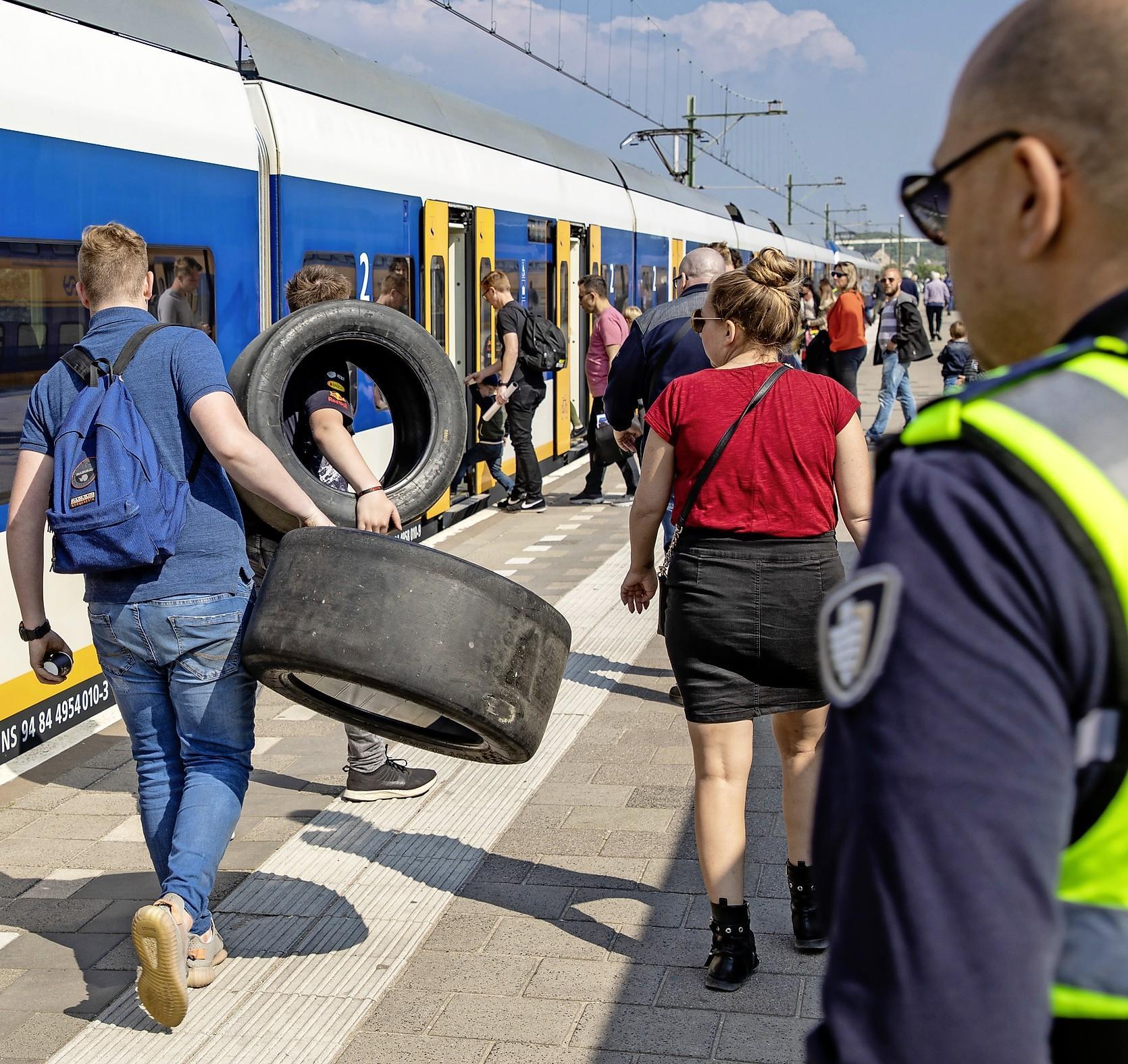 Bezoekers Formule 1 parkeren in de hele regio, van IJmuiden aan Zee en Hoofddorp tot in Noordwijk