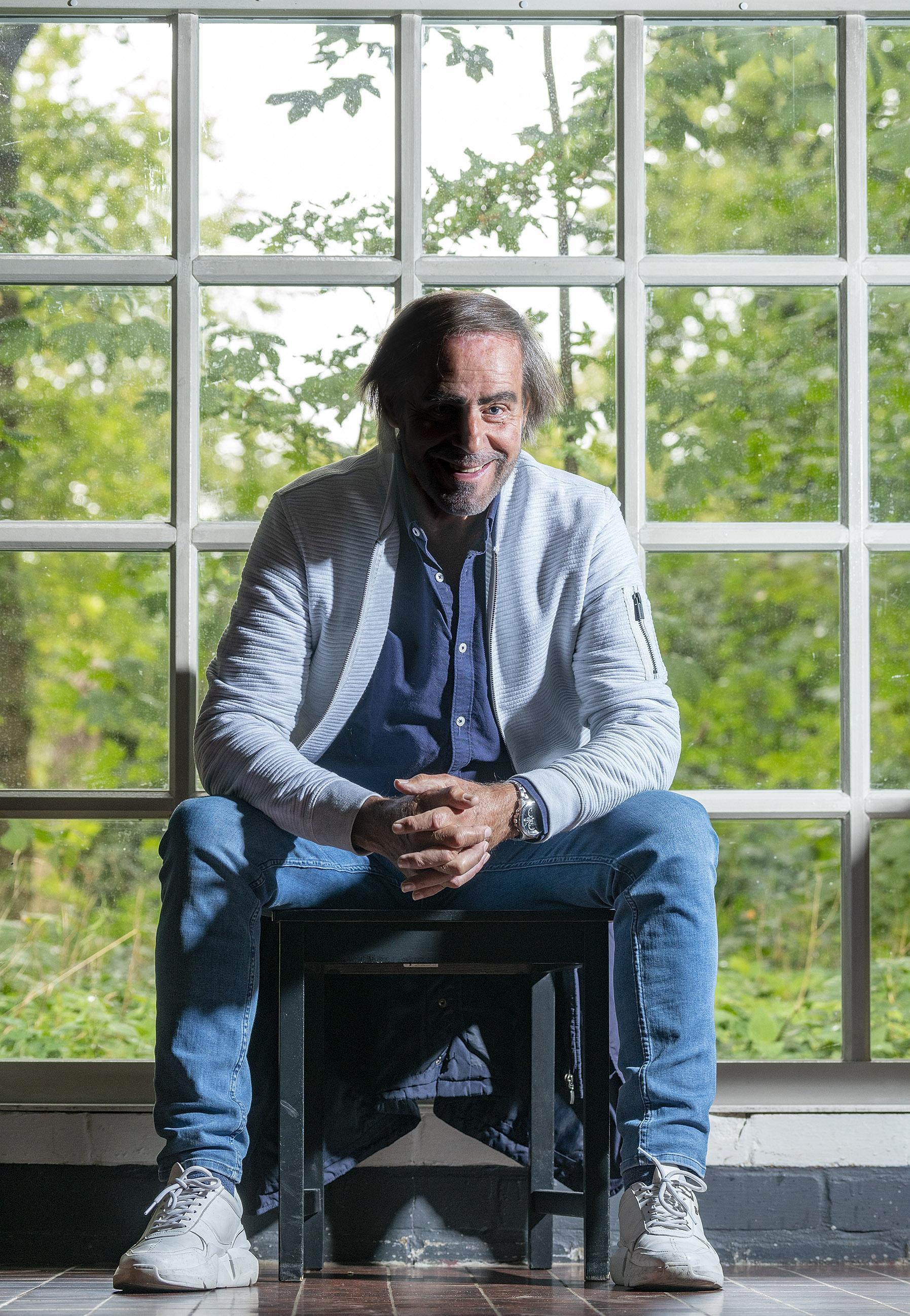 Paul Hegeman (60) is niet alleen de man achter Cinebergen. Hij maakte documentaires en korte films, zijn debuutroman is net uit en zijn eerste speelfilm is in de maak. 'Beste antistof tegen wat dan ook is verbeelding'