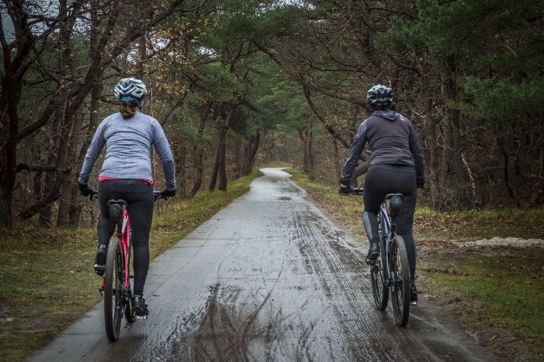 De helft van de uitrukken van de reddingsbrigade Schoorl is voor de mountainbiker. Ambulances steeds vaker nodig voor wandelaars en fietsers in het duingebied
