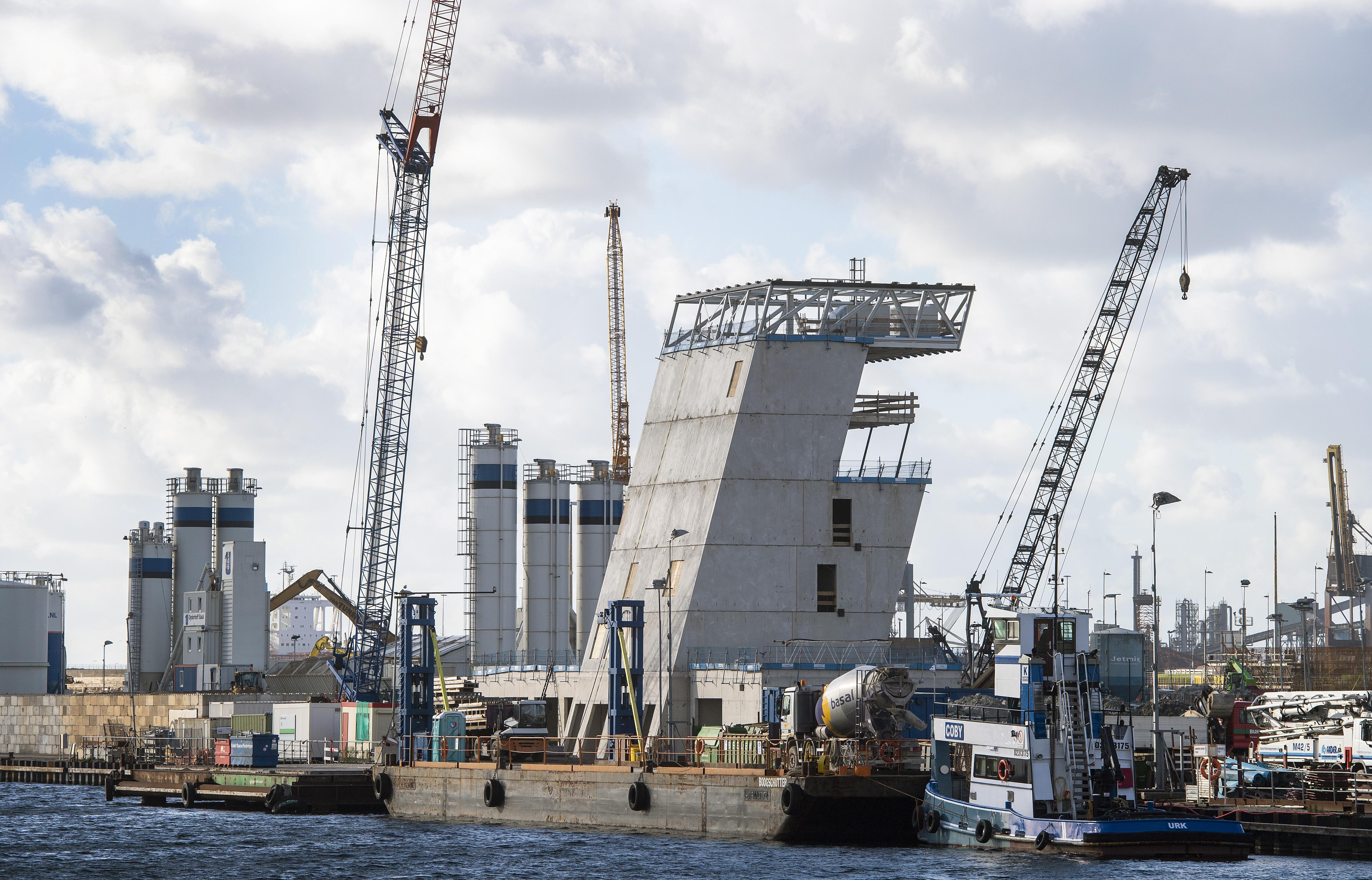 Vreemde geluiden van maandagavond in IJmuiden komen van bouwterrein sluis [video]