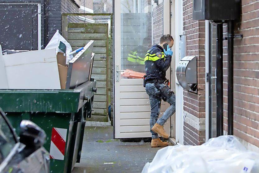 Inval arrestatieteam in pand centrum Baarn
