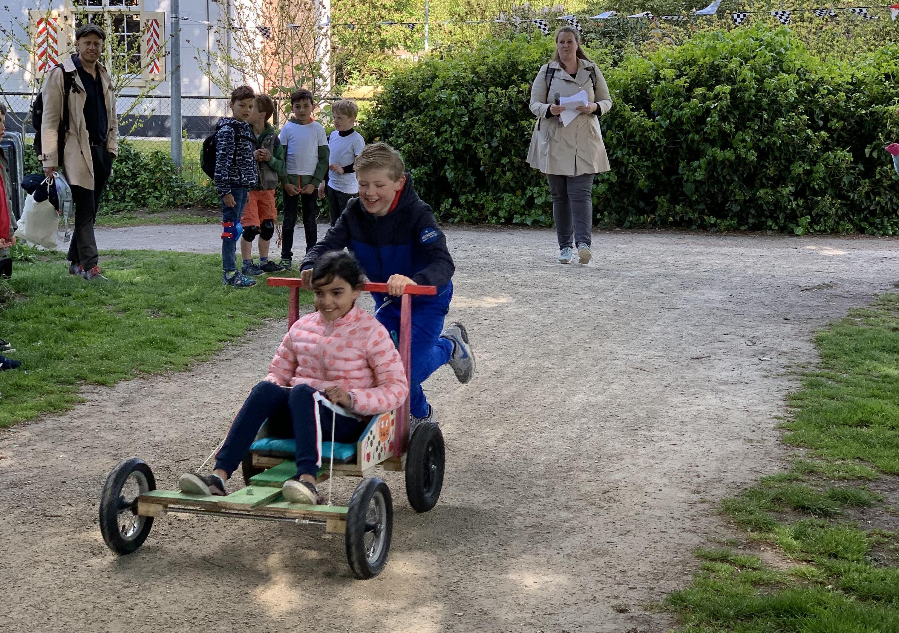 Kleine Verstappens in het Haarlems Zaanenpark