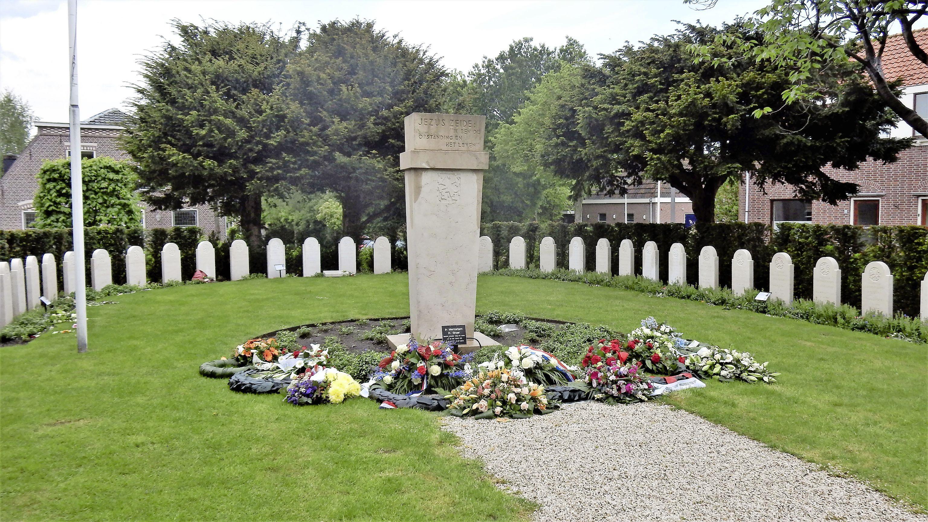 Bijzondere zoektocht naar foto van Jan Berghuis, voor eerbetoon aan militair die in de meidagen van 1940 sneuvelde: gevechten bij vliegveld Valkenburg kostten IJmonder het leven