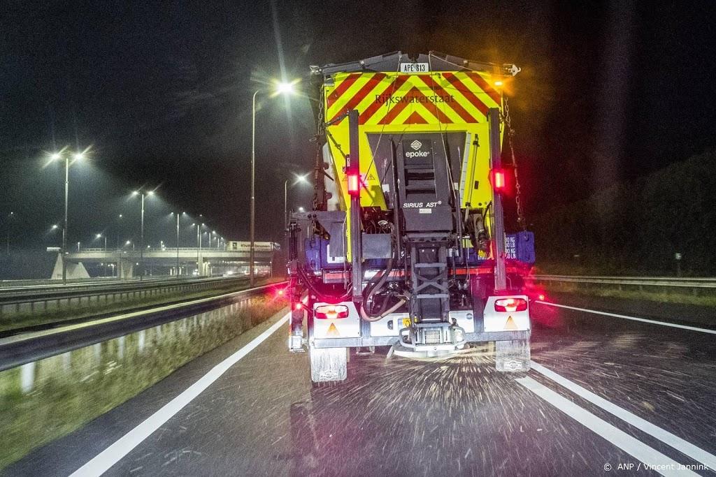 Rijkswaterstaat strooide in hele winter 135 miljoen kilo zout