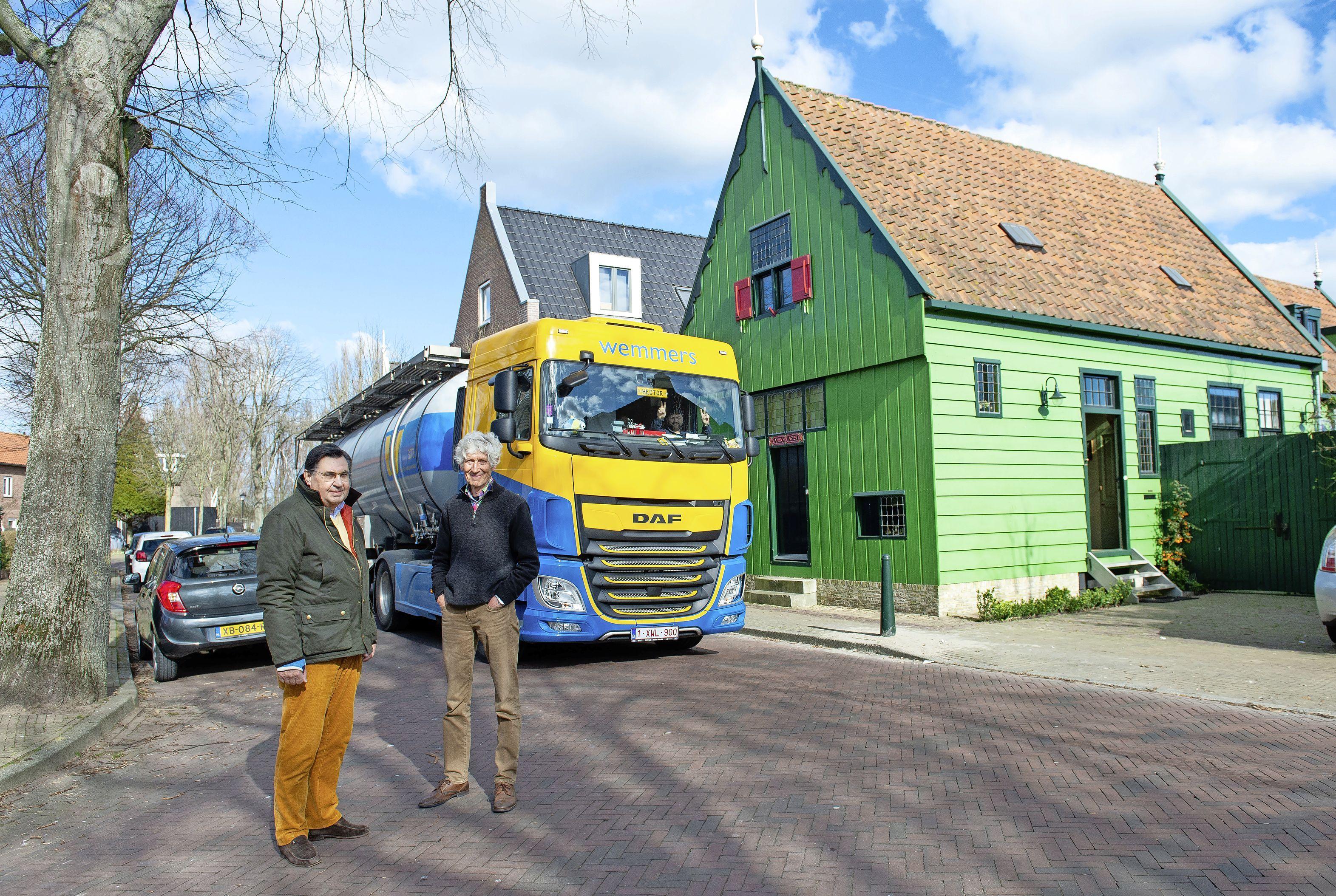 Bewoners Zaandijk fel gekant tegen meer vrachtwagens over de Lagedijk. Producent AAK wil piekmomenten juist voorkomen
