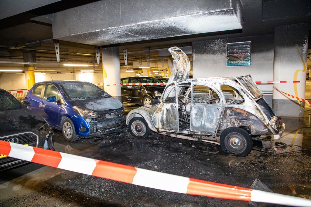 Krijgt de gemeente Haarlem schade aan Raaks-garage ooit vergoed? 'Dakloze die brand stichtte, kan torenhoge bedragen nooit betalen'
