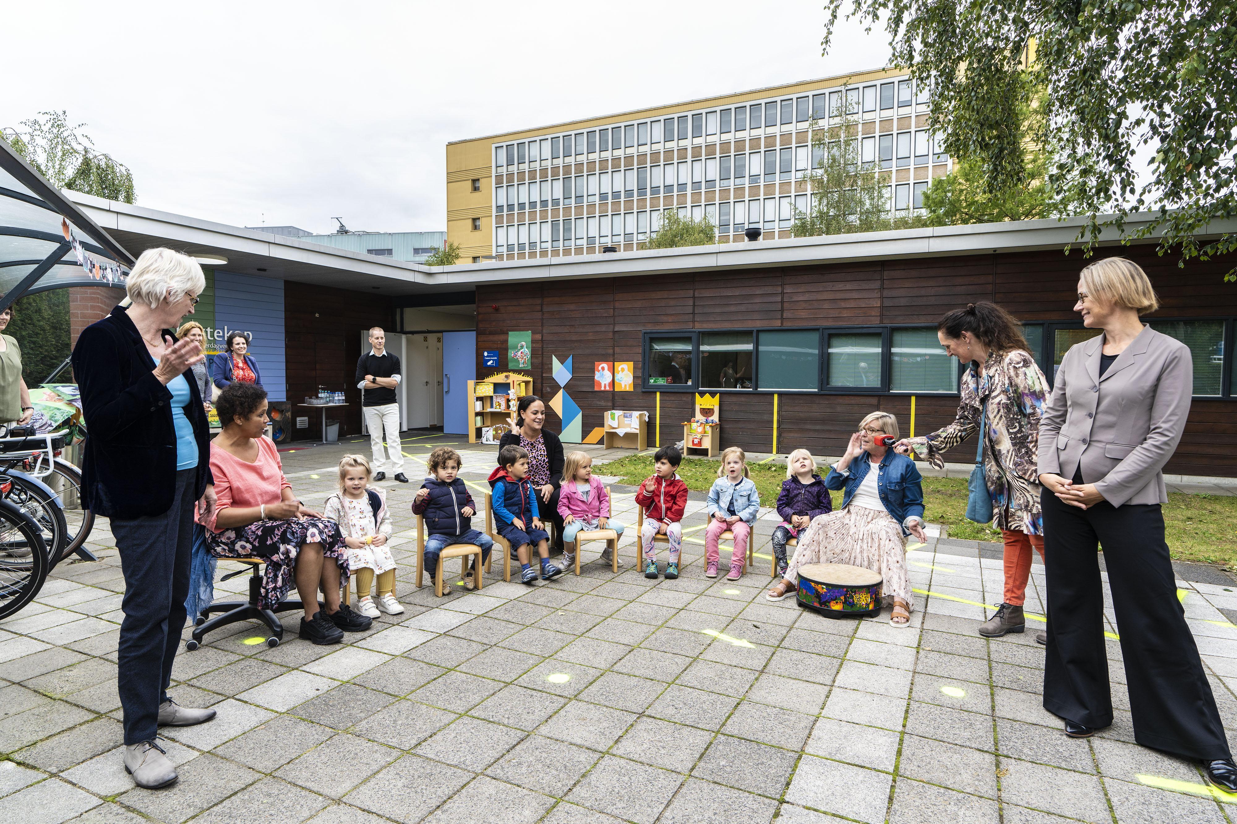 Universitair kinderdagverblijf 'De Kattekop' in Leiden viert 40-jarig bestaan