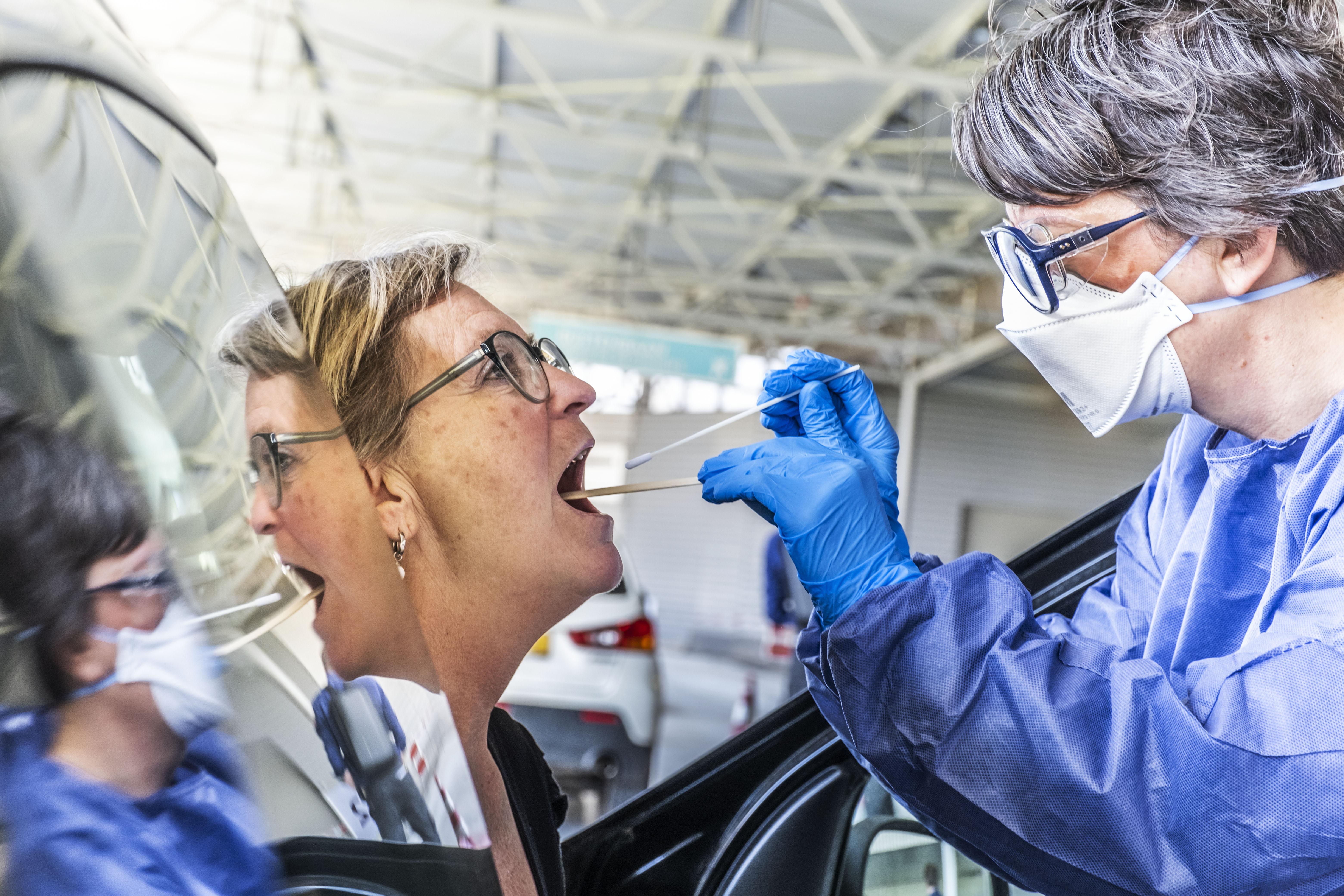 Minder zorgen om coronavirus en gezondheidsrisico's in Noord-Holland Noord: veertig procent vindt strikt naleven maatregelen volgens GGD-onderzoek steeds lastiger