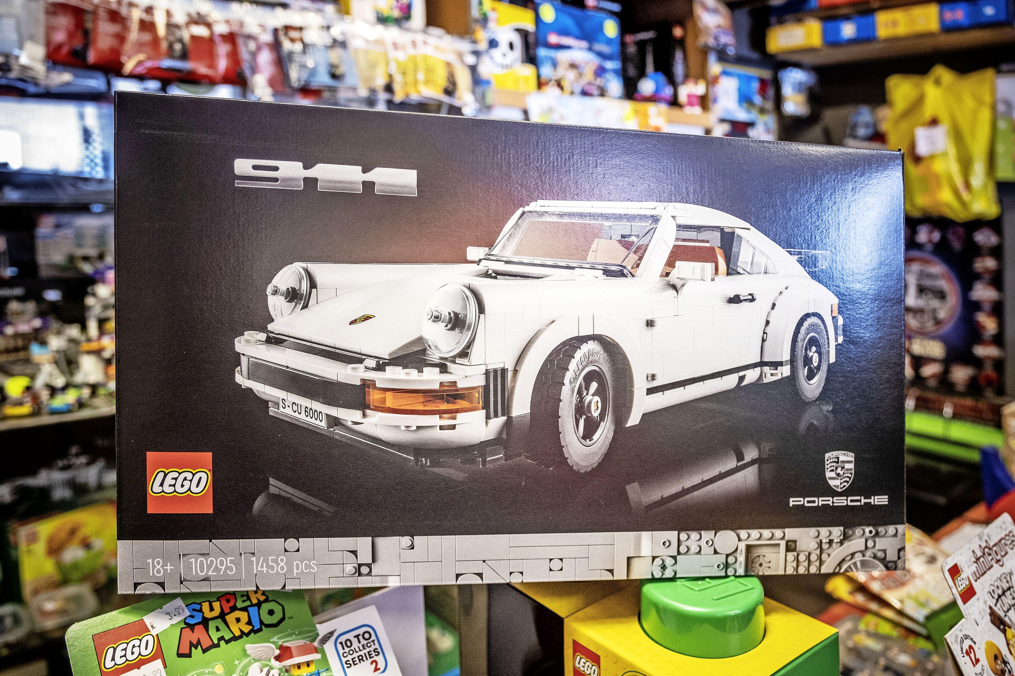 Lego is het nieuwe goud. 'De 18+ bouwdozen worden voor de dubbele prijs op internet doorverkocht'. En dus probeert een Legodief nu winkels te plunderen