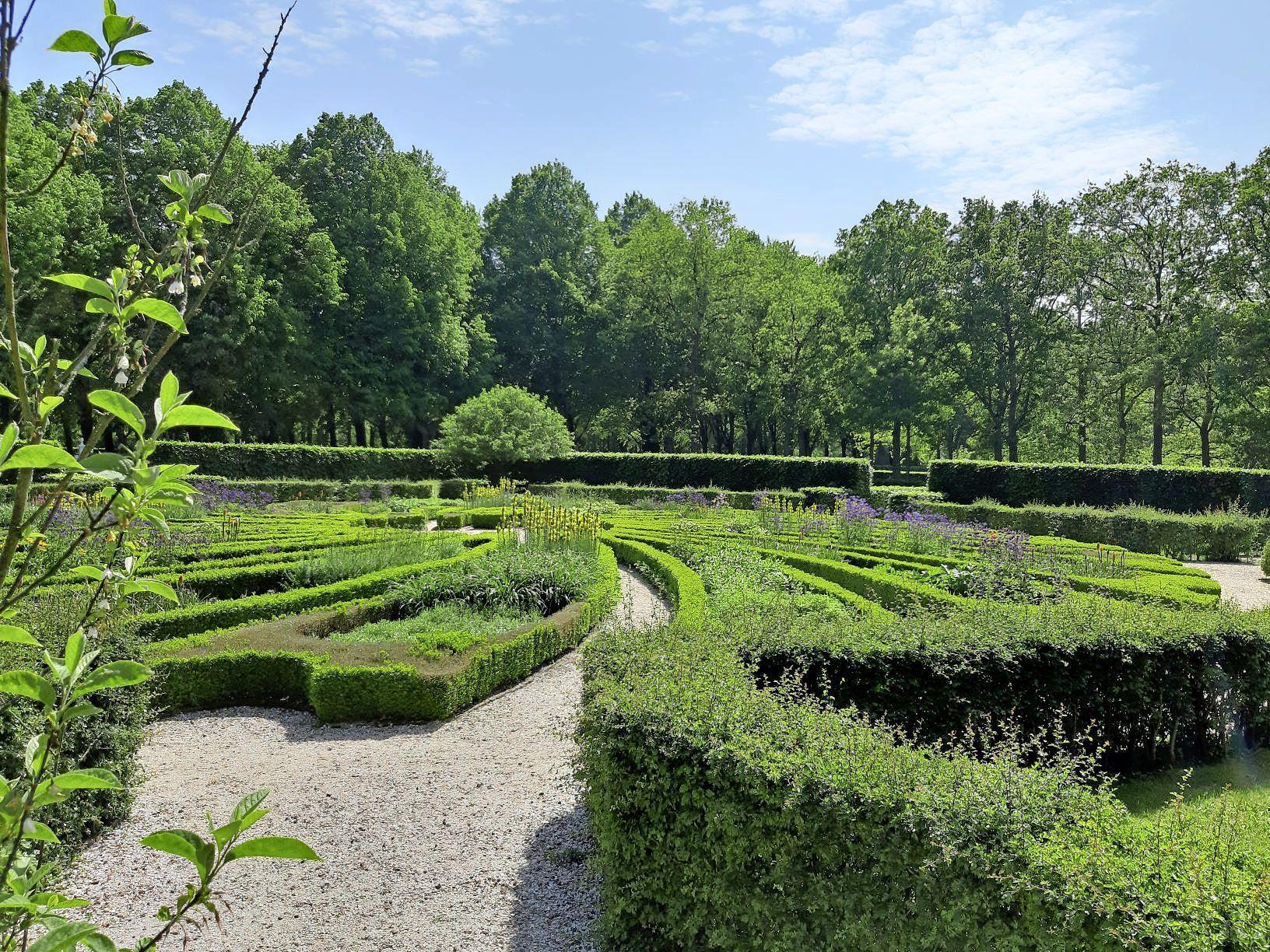 Maandelijkse rondleiding Huis en tuinen Beeckestijn in Velsen-Zuid hervat