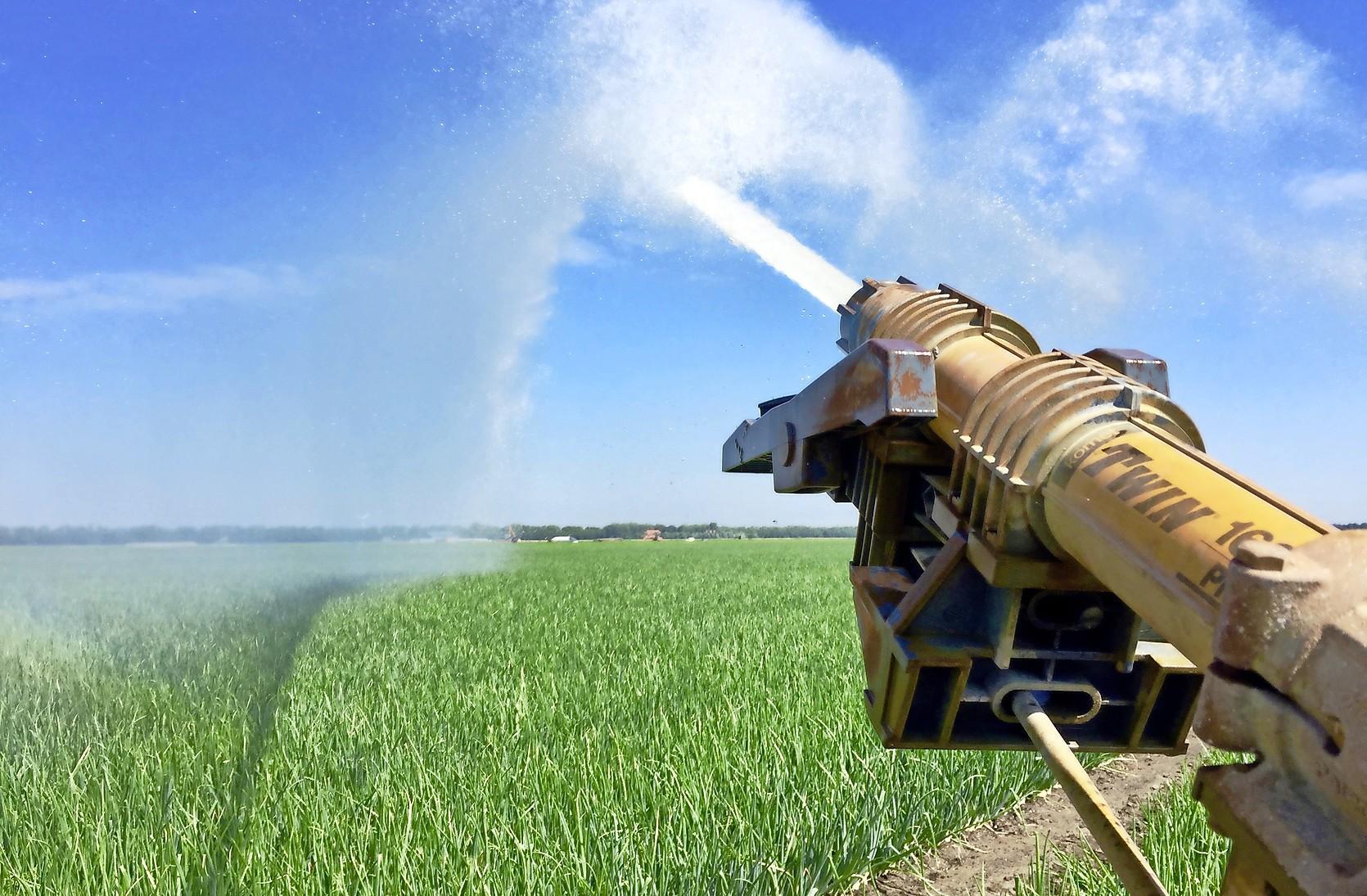 'Stress door de droogte maakt agrariërs kwetsbaar voor brand in beregeningsinstallatie'