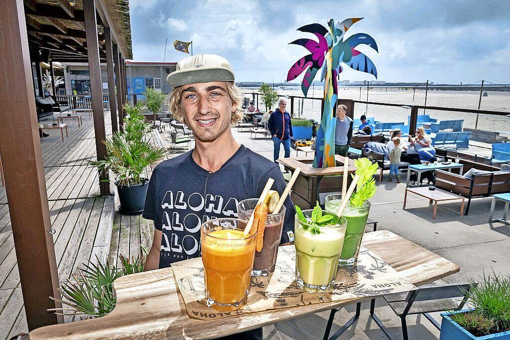 Geen rietjes en koffiemelkcupjes meer, het plasticvrije seizoen is geopend aan het strand