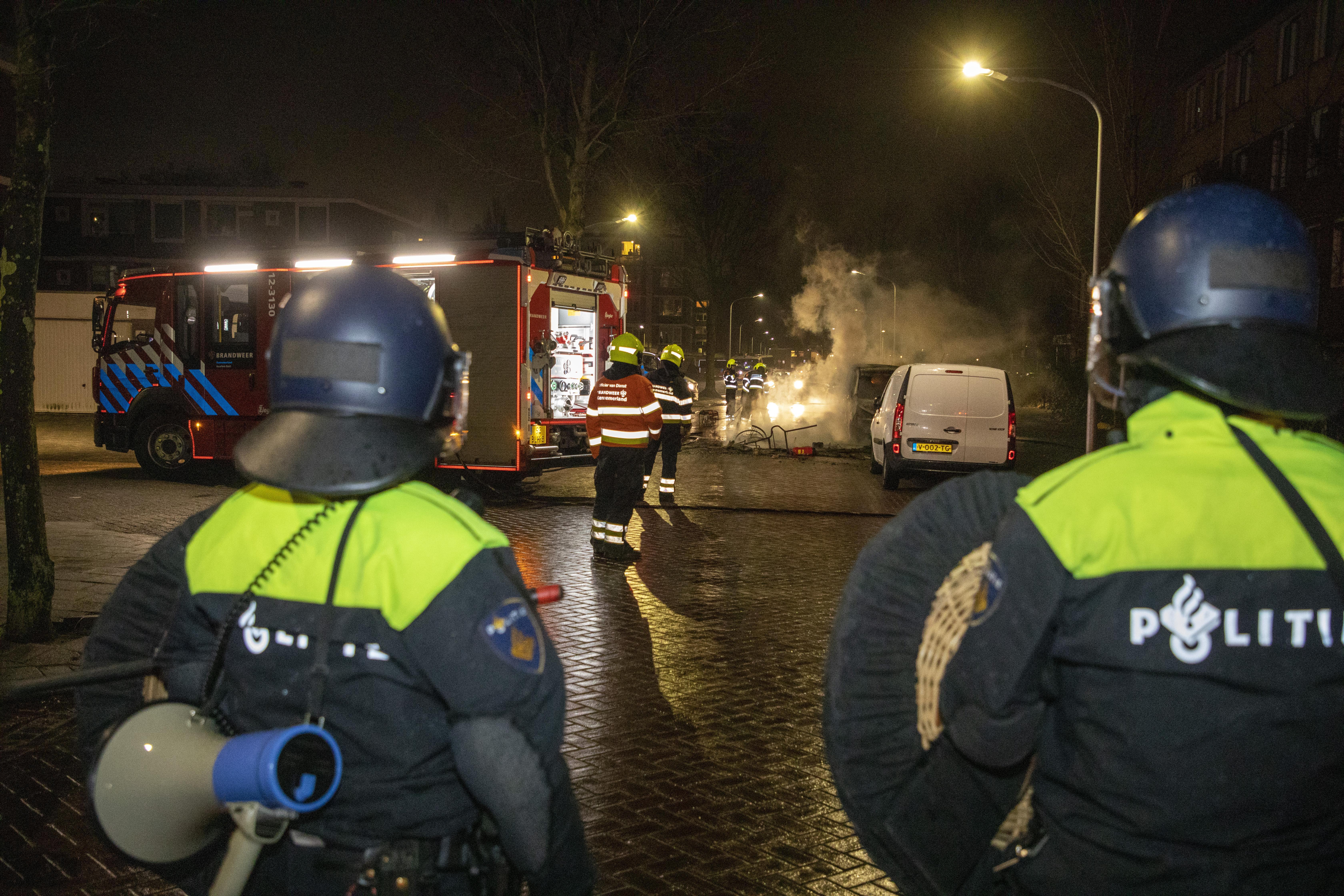 Veertien aanhoudingen na rellen in Schalkwijk [update]