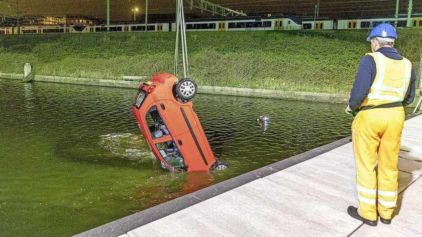 Noodkreet brandweer na verdrinken Purmerendse (34) die met vriend water in reed: 'Waarom bezuinigen op het duikteam?'