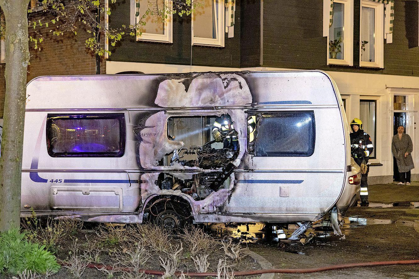 Caravan verwoest bij brand in Beverwijk