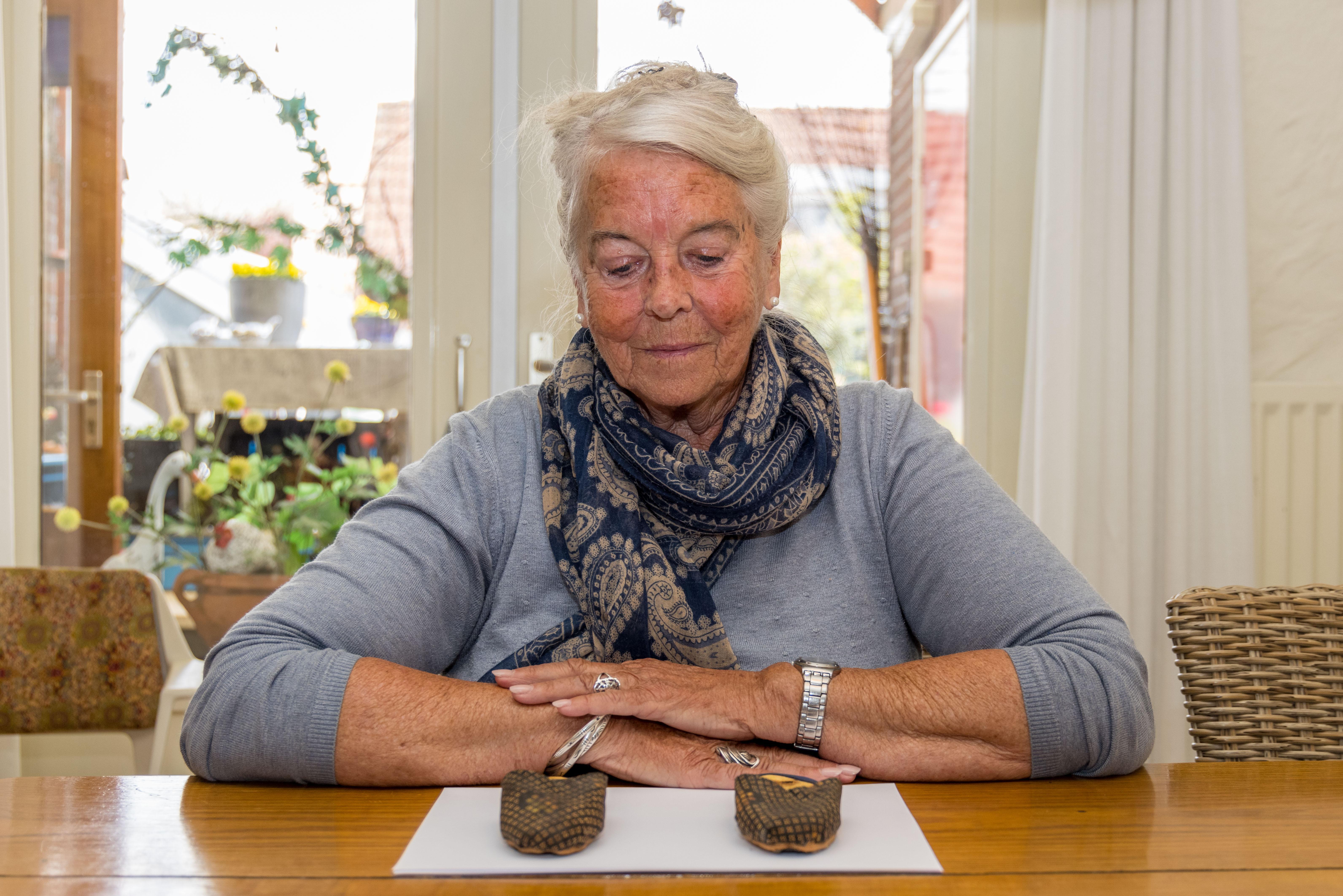Ida Ligthart (80) heeft warme herinneringen aan Duitse soldaten: niet iedereen was slecht in de oorlog. 'Pantoffeltjes voor de kleine meid'