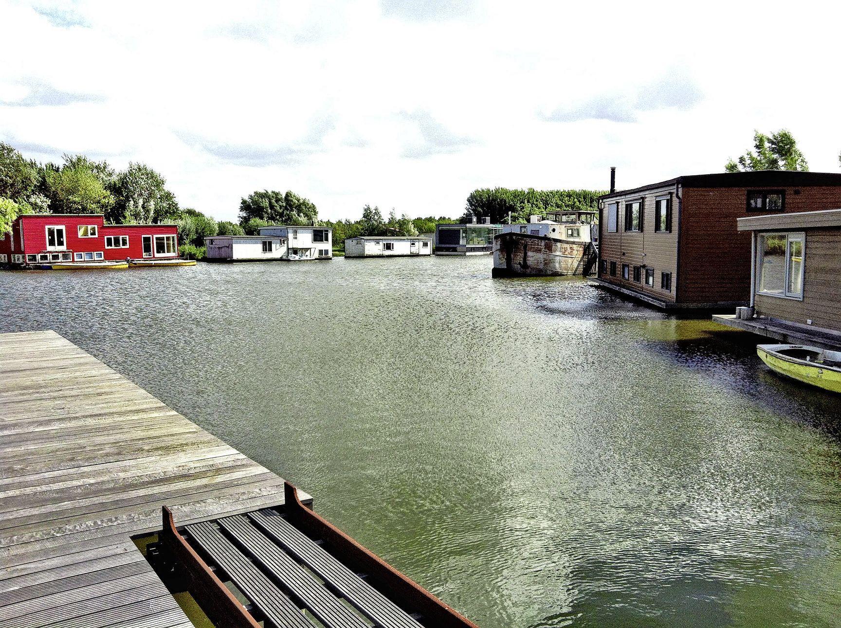 Uitspraak over Velsens Zijkanaal B 'biedt kansen' voor alle woonschepen