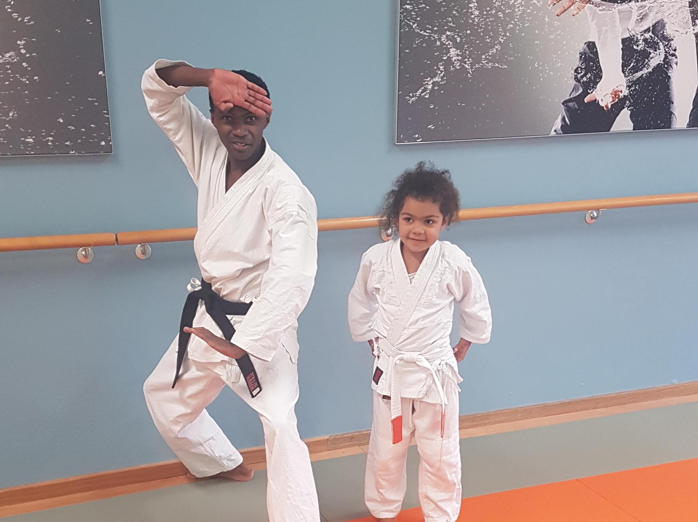 Het is een moeilijke keuze voor Uwiragiye Ambroise: hardlopen of karate? 'Ik heb in mijn jeugd in mijn geboorteland Rwanda op hoog niveau karate gedaan en doe het nu soms nog, maar ik kies voor hardlopen'