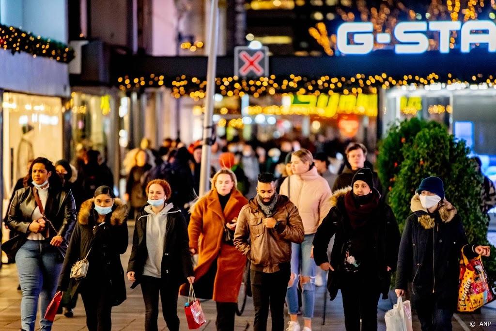Drukte winkelend publiek in Rotterdam valt mee