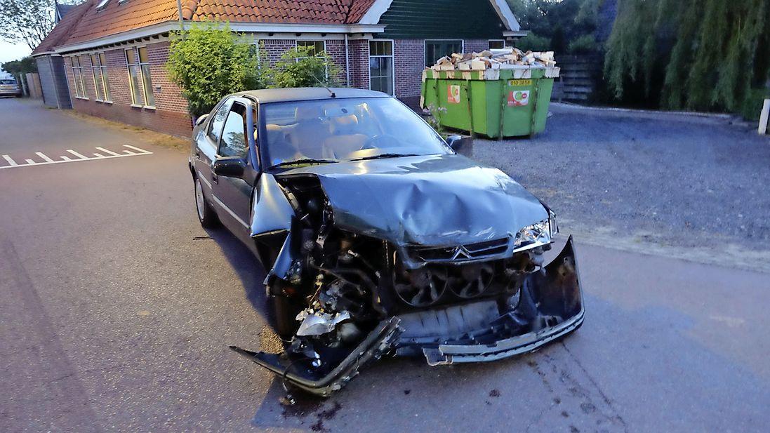 Automobilist vlucht met telefoon van vrachtwagenchauffeur na ongeluk in Hoogwoud, even later vier mannen aangehouden in Opmeer