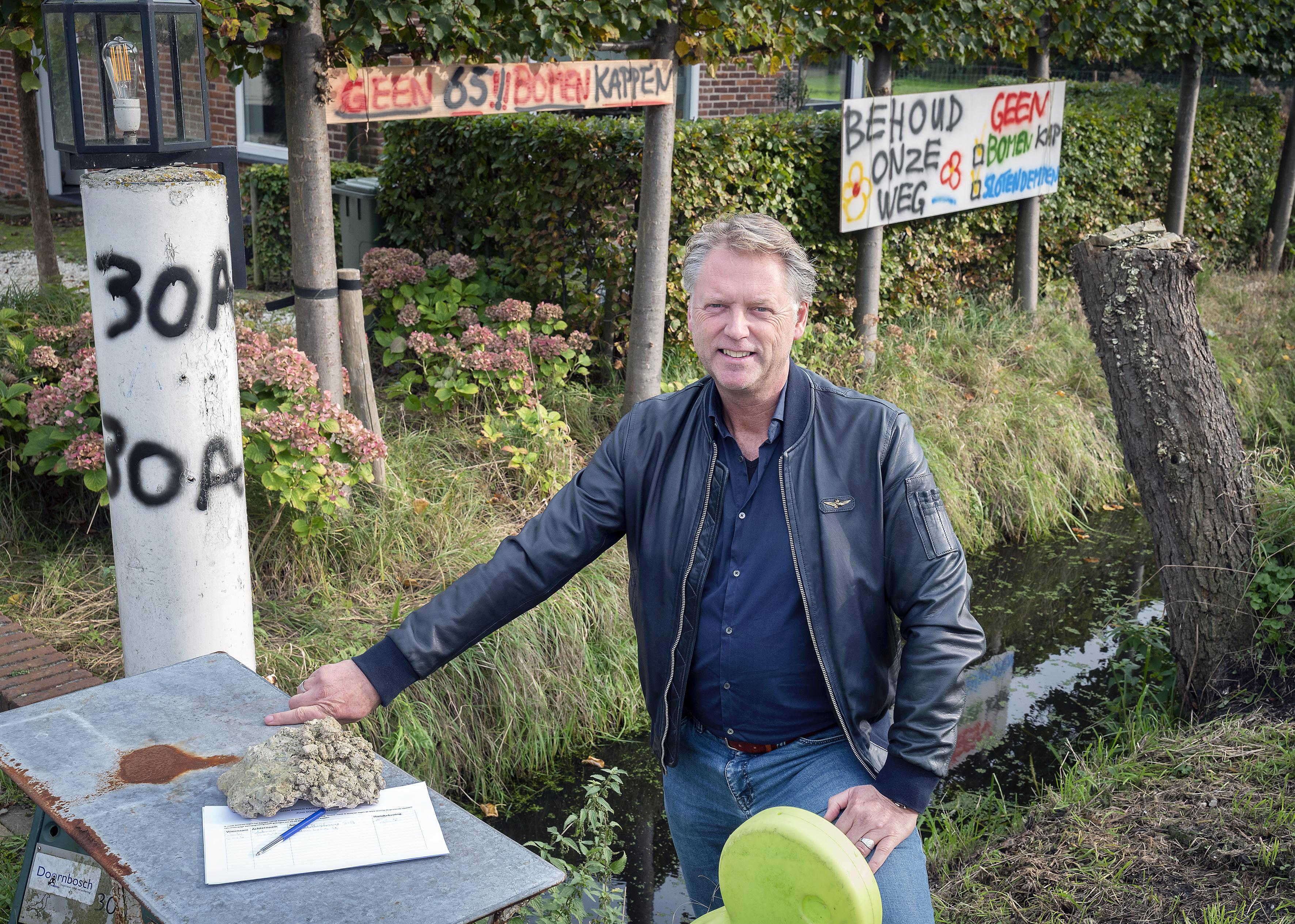 Protestborden en tientallen steunbetuigingen tegen bomenkap Zuid-Schalkwijkerweg in Haarlem: 'Het leeft heel erg'