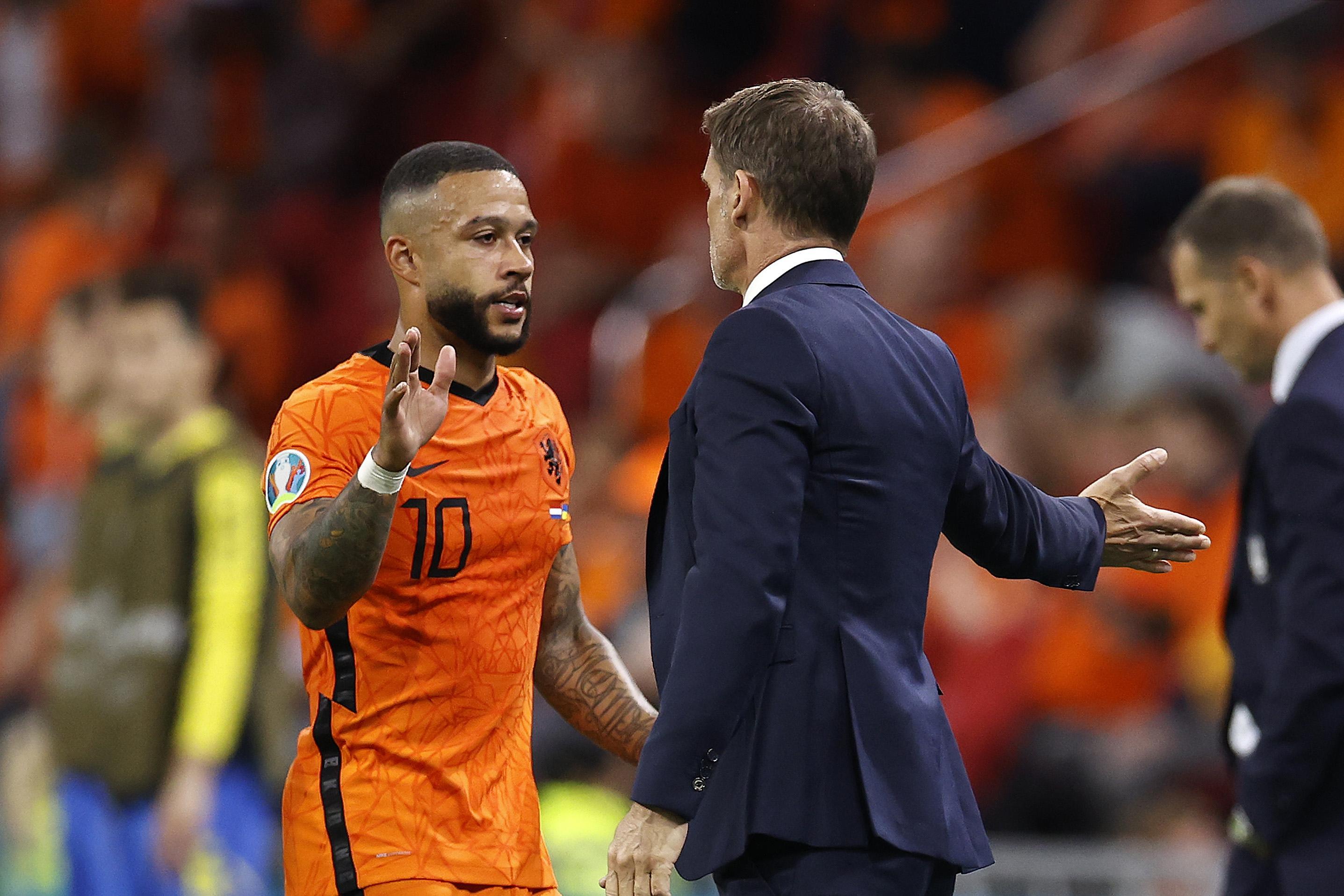 Depay neemt risico, dat is bekend. Bij balverlies moet het Nederlands elftal beter reageren, oordeelt Frank de Boer