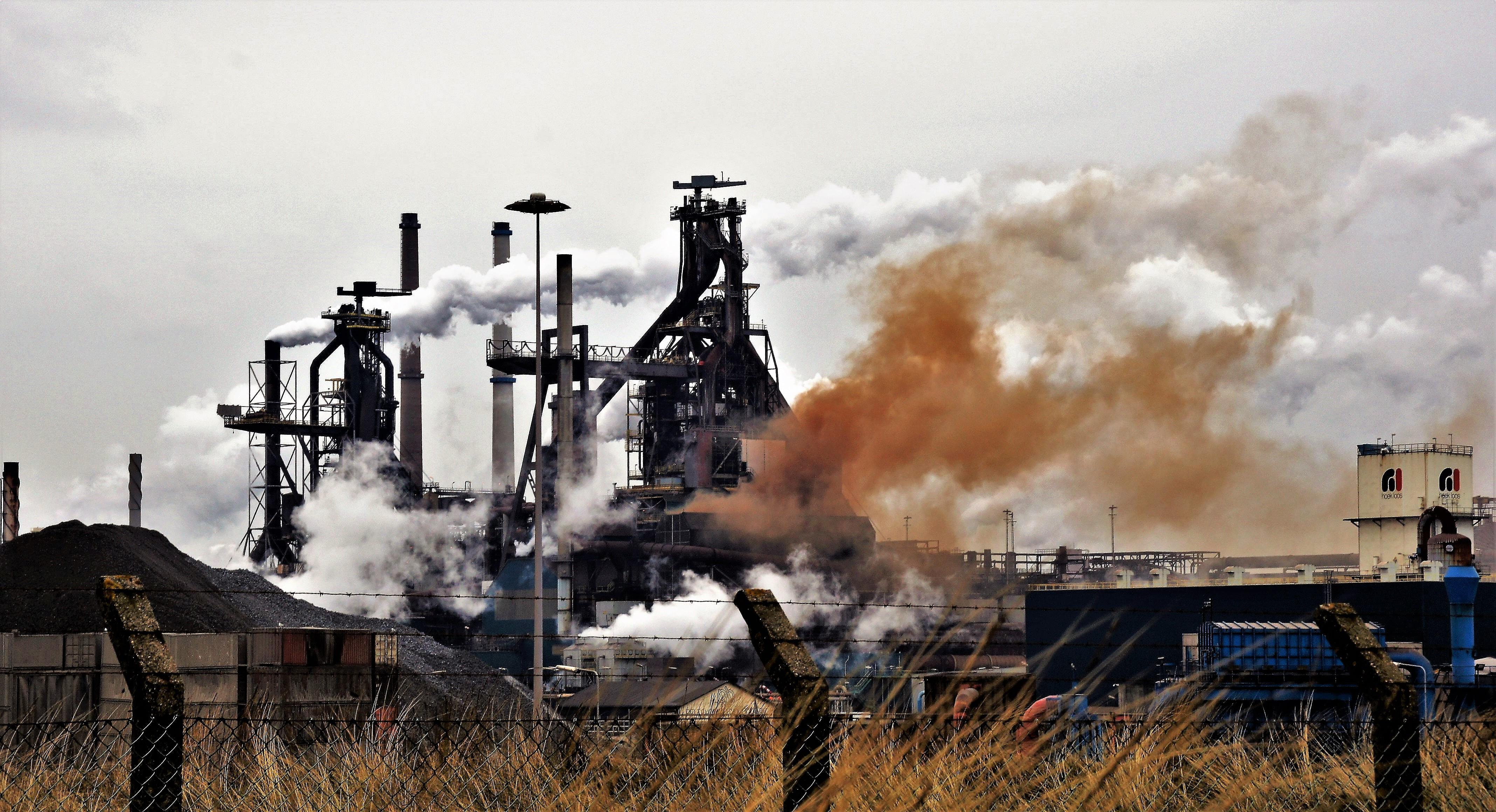 Weerbericht Wijk aan Zee: stofwolken en een enkele grafietbui
